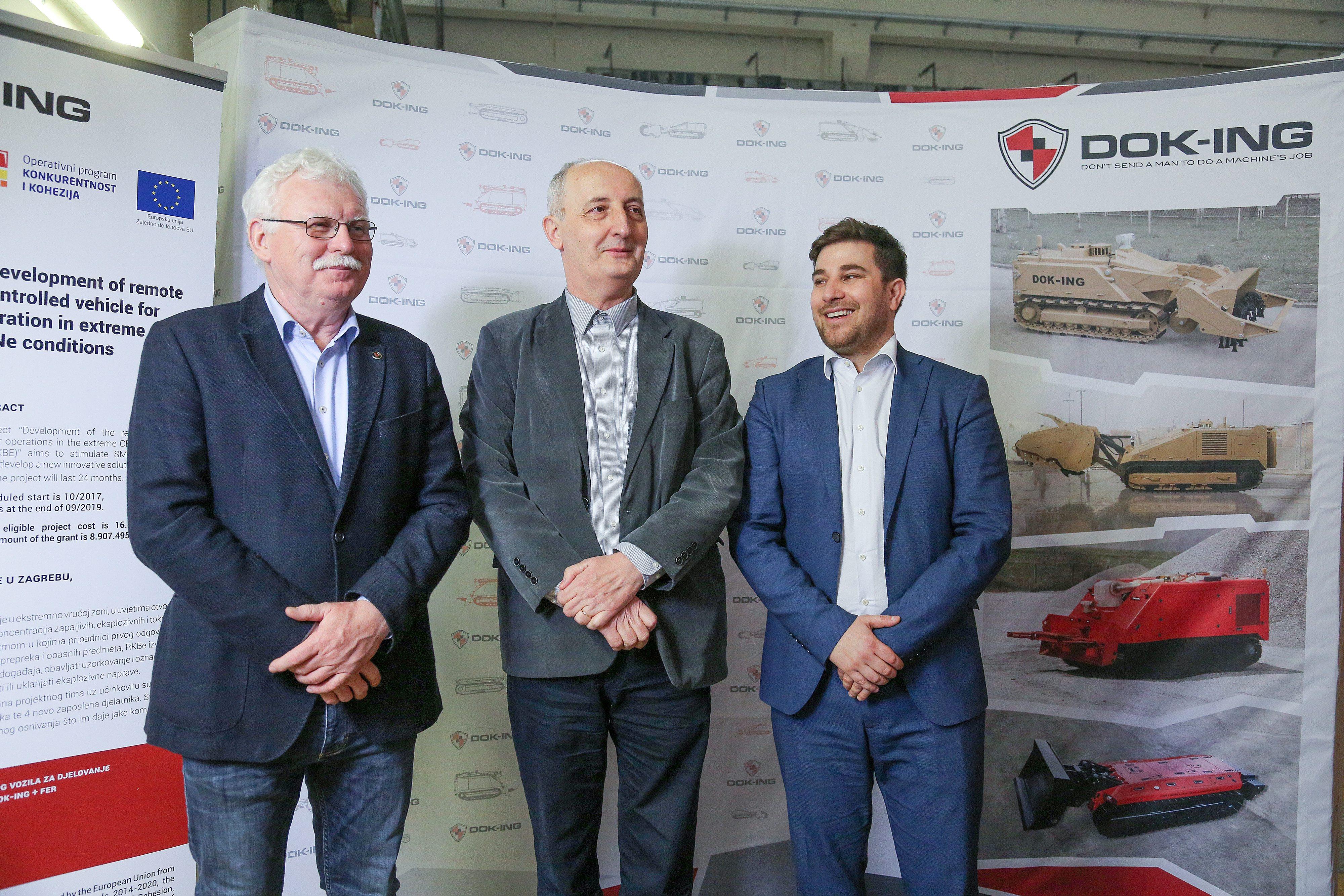 Na fotografiji: Vjekoslav Majetić, Ivan Petrović i Gordan Pešić