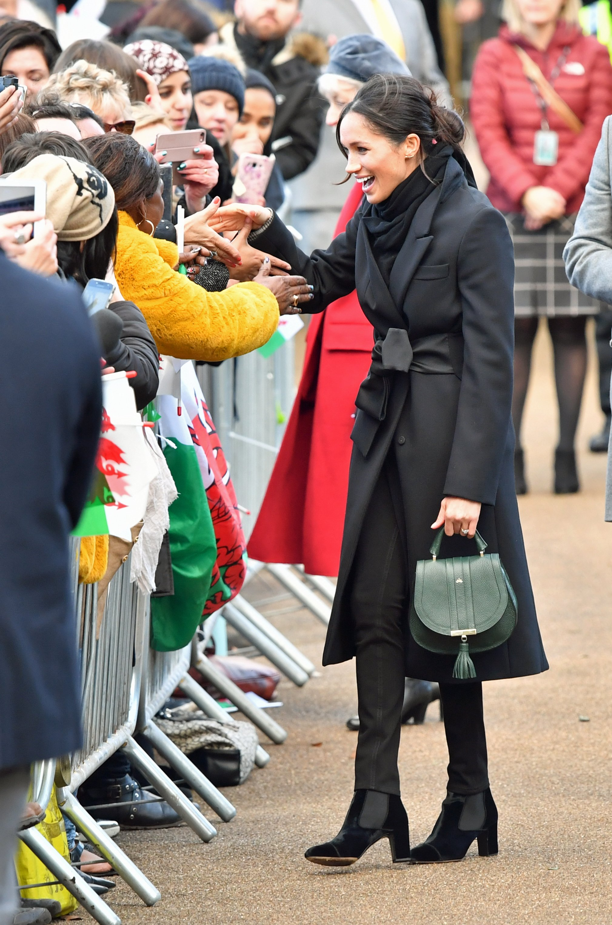 Cardiff. Meghan Markle meets the crowds during a visit to Cardiff Castle.  Photo by Ben Birchall / Nunn Rota/insight media Distributed by nunnsyndication.com, Image: 360581070, License: Rights-managed, Restrictions: , Model Release: no, Credit line: Profimedia, Insight Media