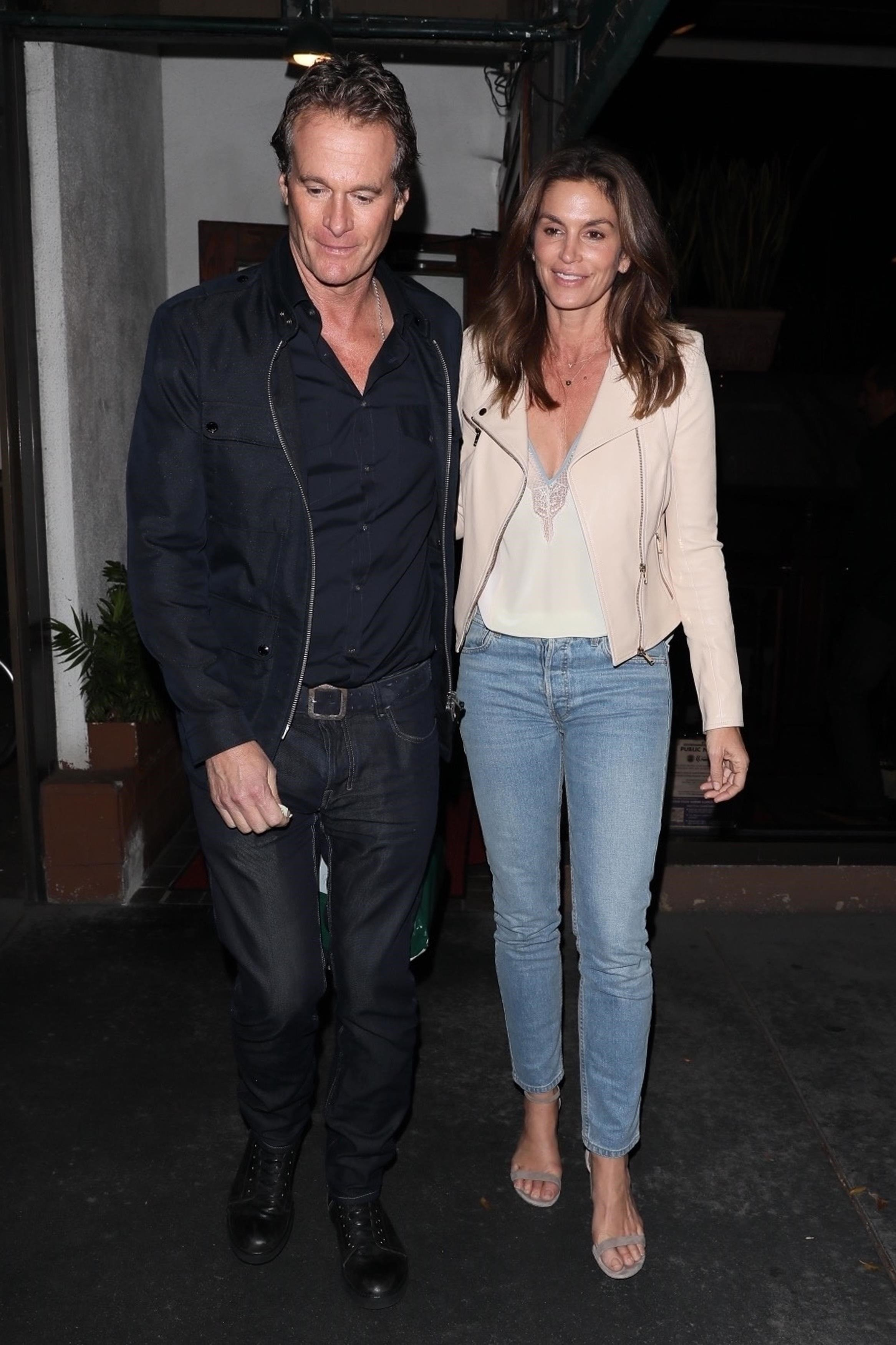 West Hollywood, CA  - Model Cindy Crawford and her husband Rande Gerber were spotted enjoying a romantic dinner date at a restaurant in West Hollywood.  Pictured: Cindy Crawford, Rande Gerber  BACKGRID USA 7 NOVEMBER 2017, Image: 354962844, License: Rights-managed, Restrictions: , Model Release: no, Credit line: Profimedia, AKM-GSI