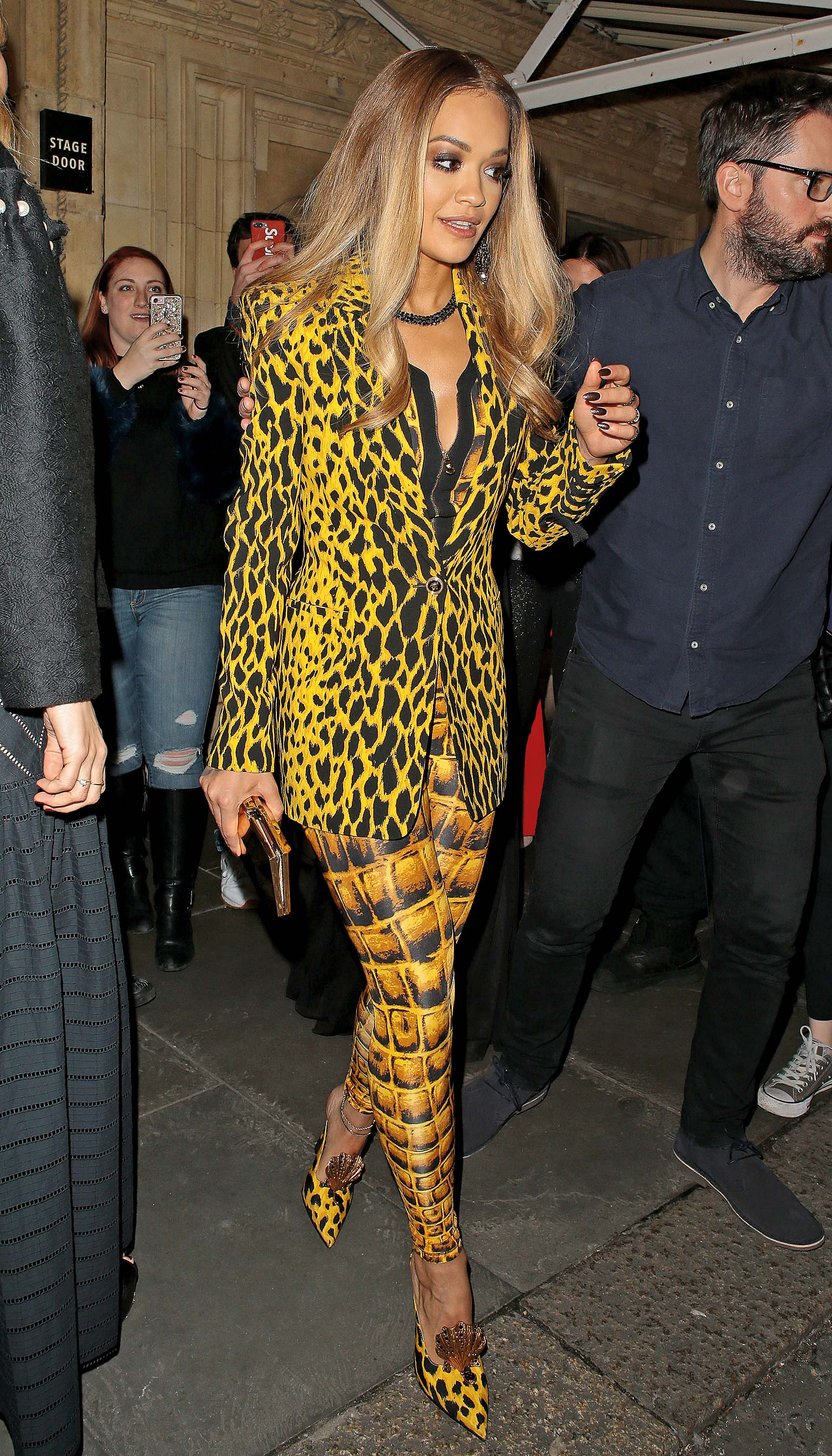 LONDON, ENGLAND - DECEMBER 04:  Rita Ora seen leaving The Fashion Awards 2017 held at Royal Albert Hall on December 4, 2017 in London, England.  (Photo by Ricky Vigil M/GC Images)