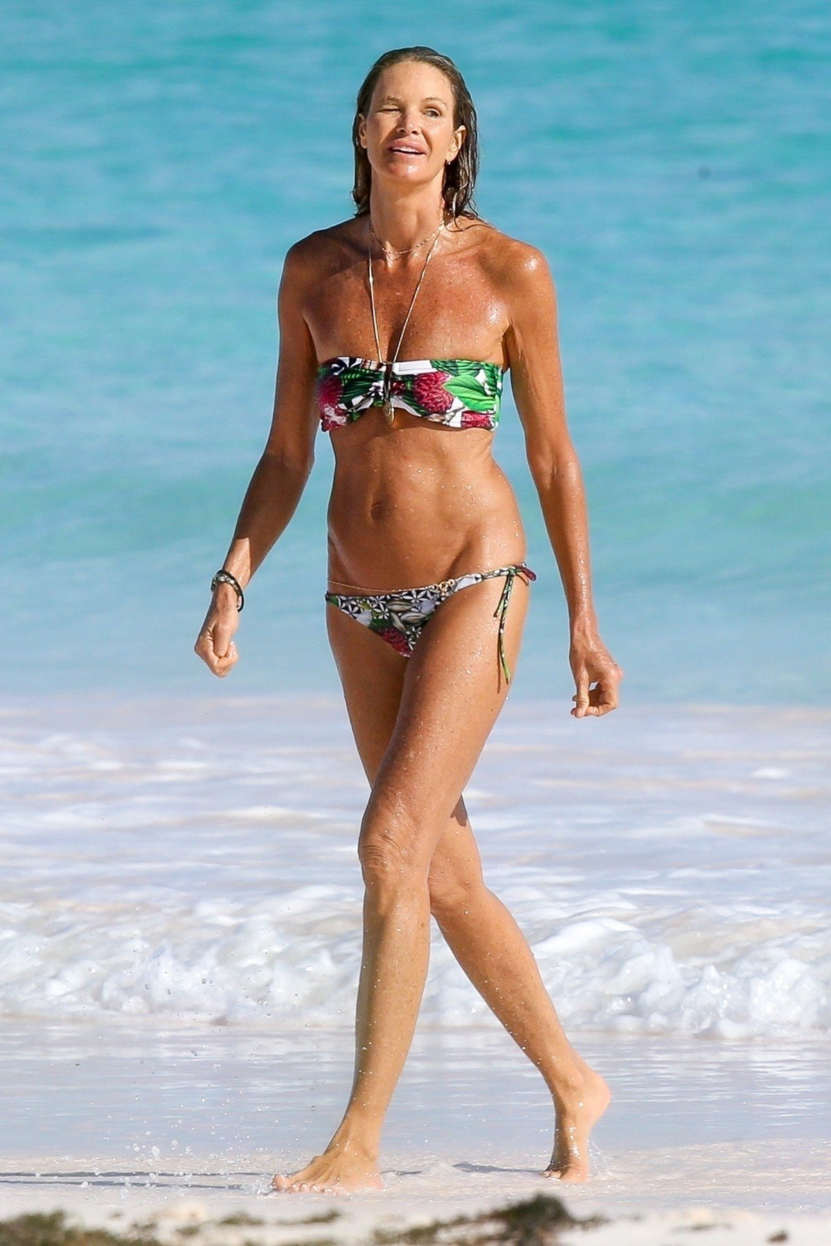 *EXCLUSIVE* ** RIGHTS: WORLDWIDE EXCEPT IN ITALY, UNITED KINGDOM ** Bahamas, BAHAMAS  - *PREMIUM-EXCLUSIVE*  - Elle MacPherson has been pictured enjoying a beach break during New Year's holidays down in the Bahamas.  Pictured: Elle Macpherson  BACKGRID USA 3 JANUARY 2018, Image: 359156112, License: Rights-managed, Restrictions: , Model Release: no, Credit line: Profimedia, AKM-GSI
