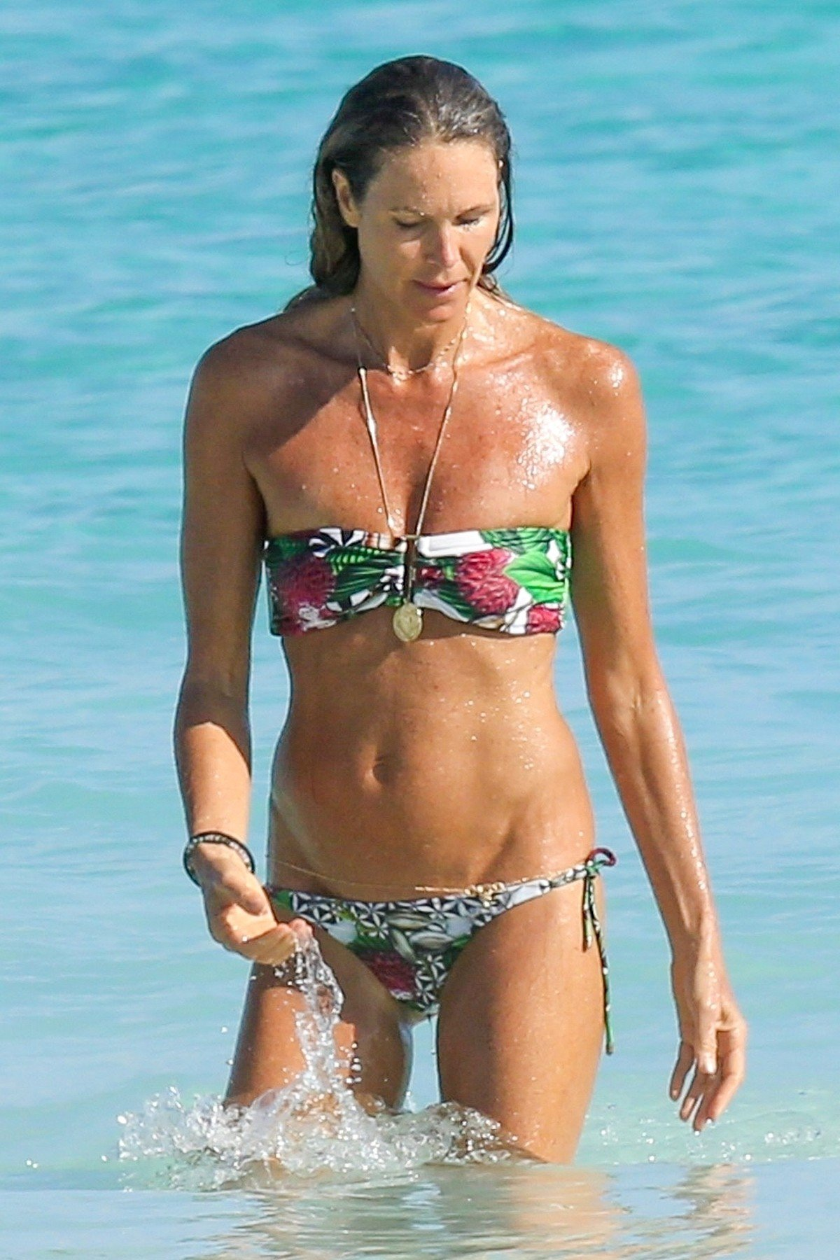 *EXCLUSIVE* ** RIGHTS: WORLDWIDE EXCEPT IN ITALY, UNITED KINGDOM ** Bahamas, BAHAMAS  - *PREMIUM-EXCLUSIVE*  - Elle MacPherson has been pictured enjoying a beach break during New Year's holidays down in the Bahamas.  Pictured: Elle Macpherson  BACKGRID USA 3 JANUARY 2018, Image: 359156397, License: Rights-managed, Restrictions: , Model Release: no, Credit line: Profimedia, AKM-GSI