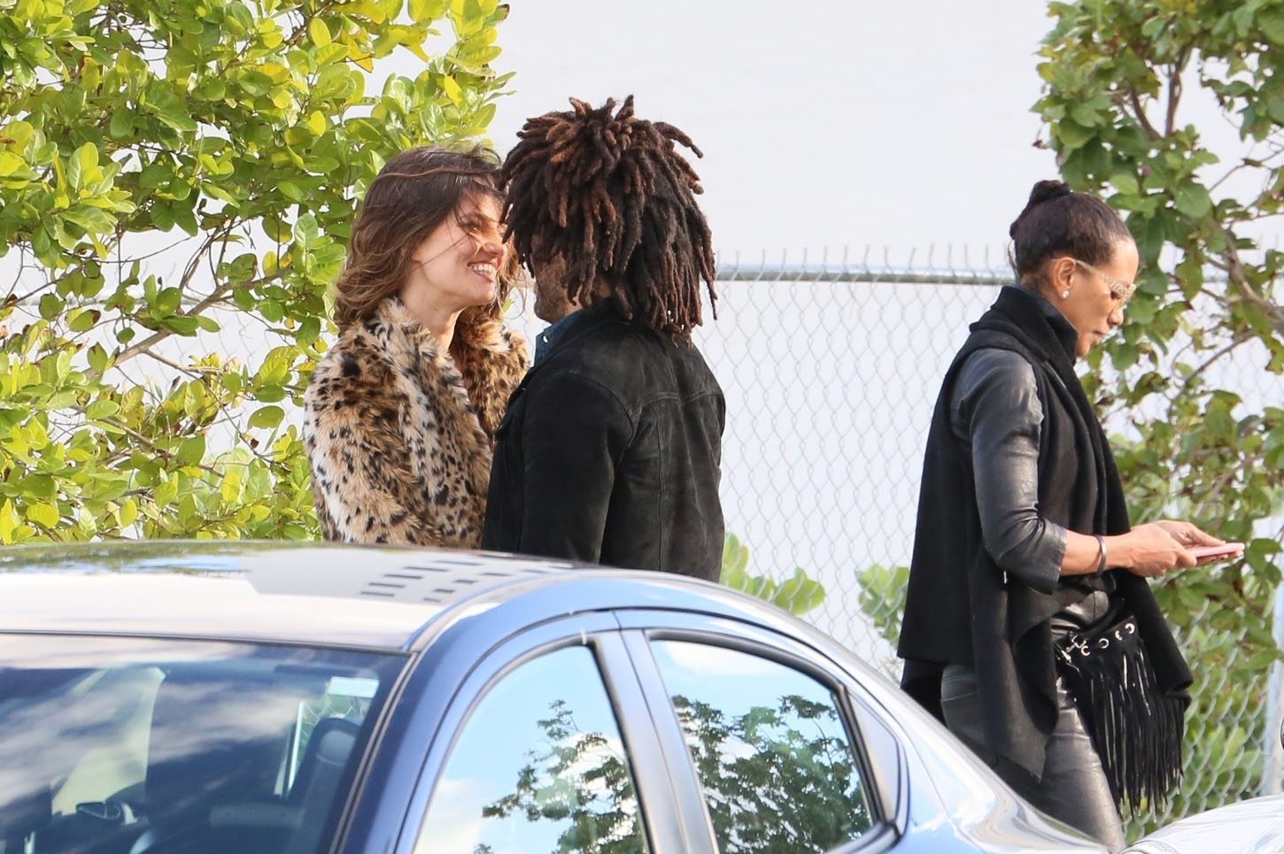Miami Beach, FL  - *EXCLUSIVE*  - Lenny Kravitz enjoys a day out with his new girlfriend. The new couple lunch with Barbara Becker (Boris Becker's ex wife). The new couple look happy as they kiss and hug while out for a stroll.  Pictured: Lenny Kravitz  BACKGRID USA 7 JANUARY 2018, Image: 359503010, License: Rights-managed, Restrictions: , Model Release: no, Credit line: Profimedia, AKM-GSI