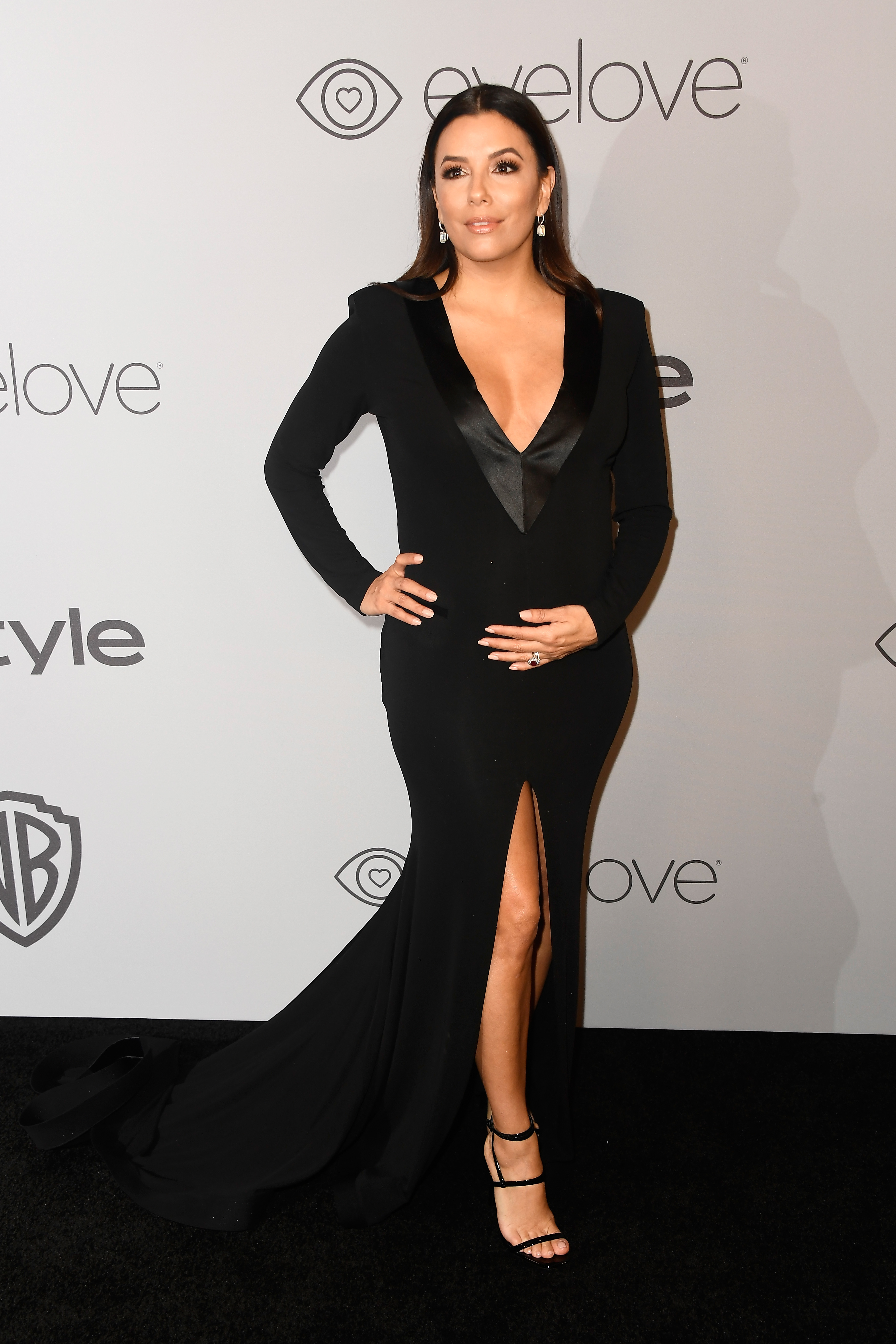 BEVERLY HILLS, CA - JANUARY 07:  Actor Eva Longoria attends 19th Annual Post-Golden Globes Party hosted by Warner Bros. Pictures and InStyle at The Beverly Hilton Hotel on January 7, 2018 in Beverly Hills, California.  (Photo by Frazer Harrison/Getty Images)