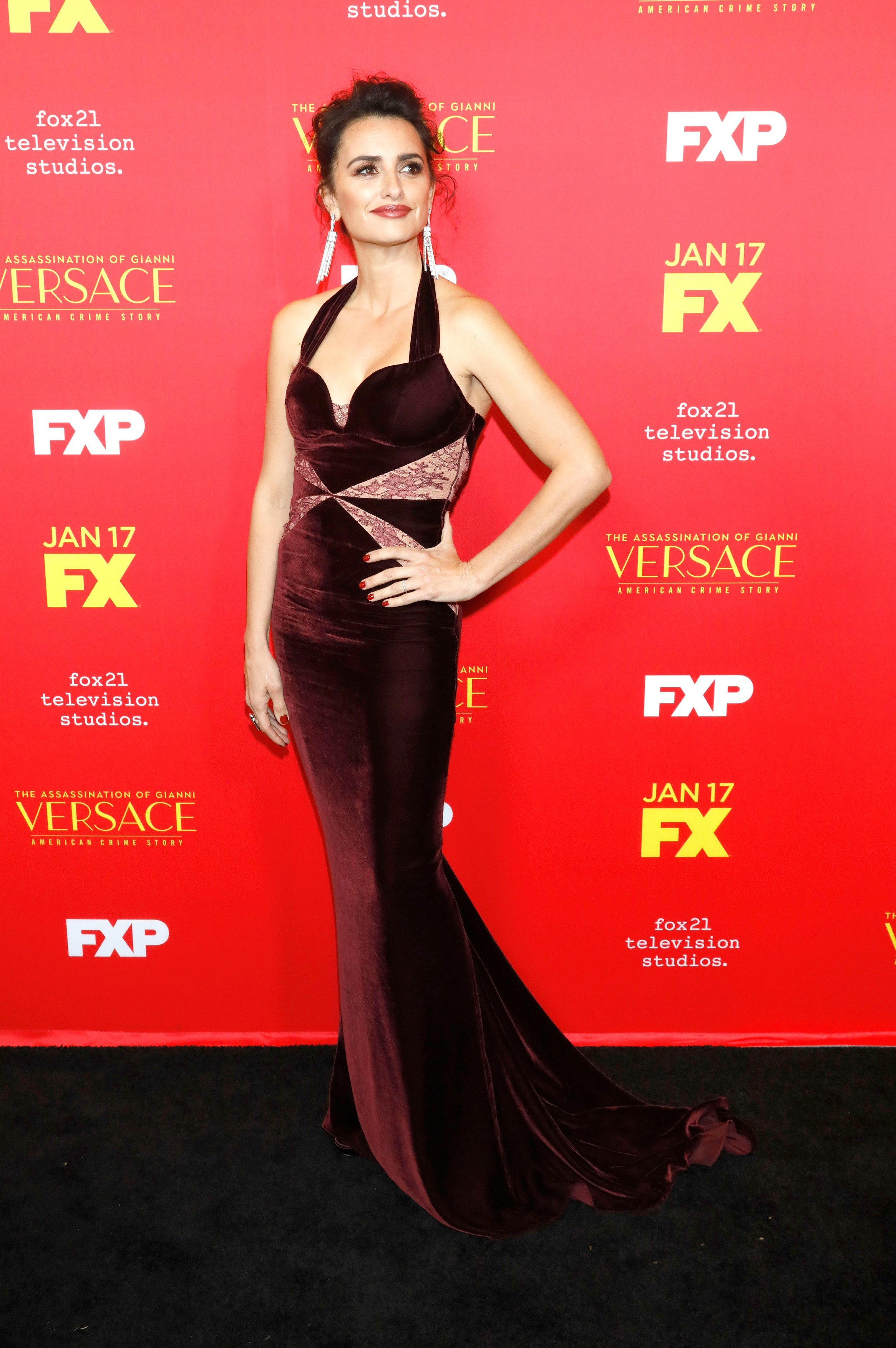 January 9, 2018 - Los Angeles, Kalifornien, USA - Penelope Cruz bei der Premiere der FX TV-Serie 'The Assassination of Gianni Versace: American Crime Story' im ArcLight Hollywood. Los Angeles, 08.01.2018, Image: 359648781, License: Rights-managed, Restrictions: , Model Release: no, Credit line: Profimedia, Zuma Press - Entertaiment