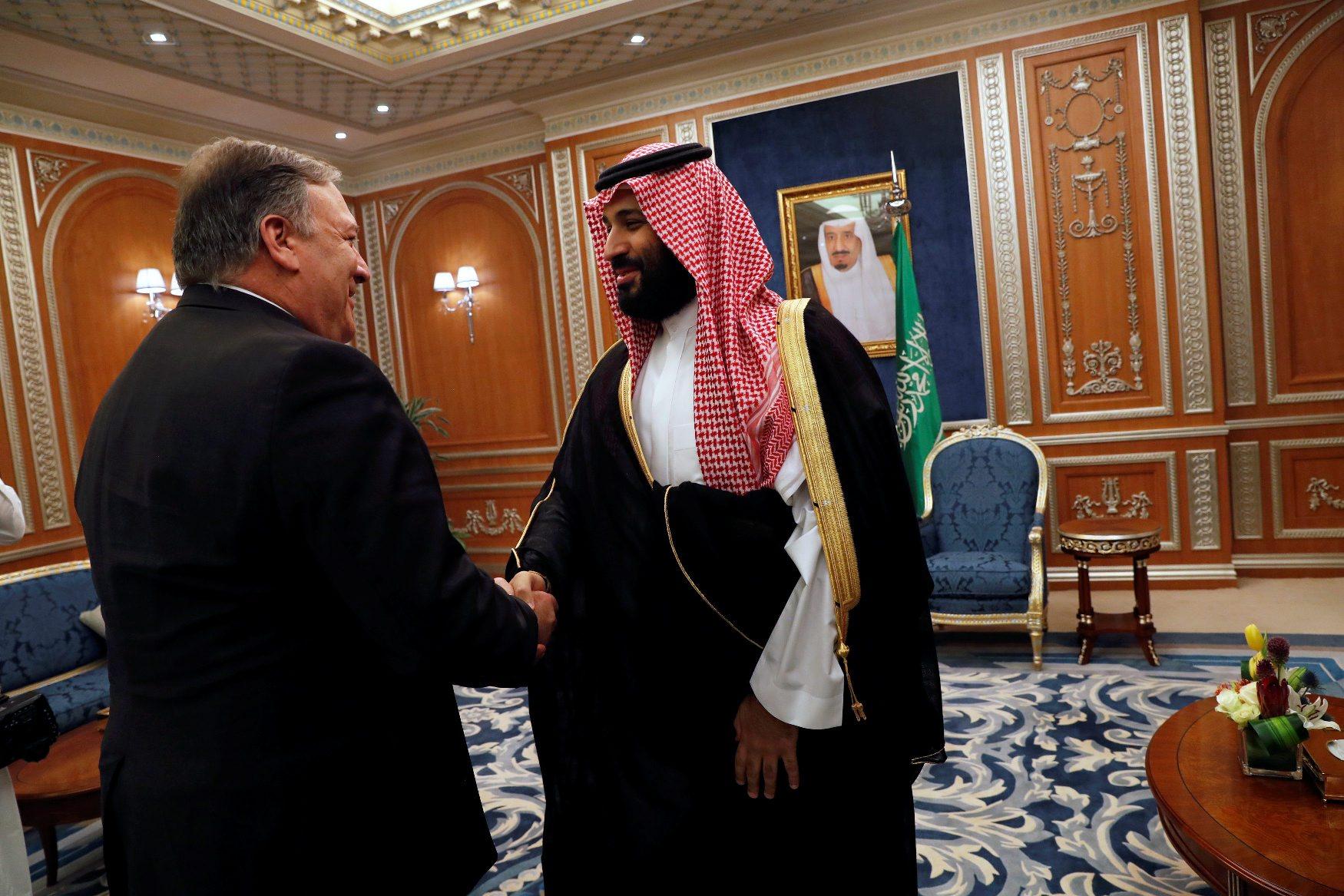 U.S. Secretary of State Mike Pompeo meets with the Saudi Crown Prince Mohammed bin Salman during his visits in Riyadh, Saudi Arabia, October 16, 2018. REUTERS/Leah Millis/Pool