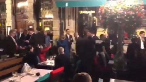 Angela Merkel, Emmanuel Macron snimljeni u središtu Bruxellesa
