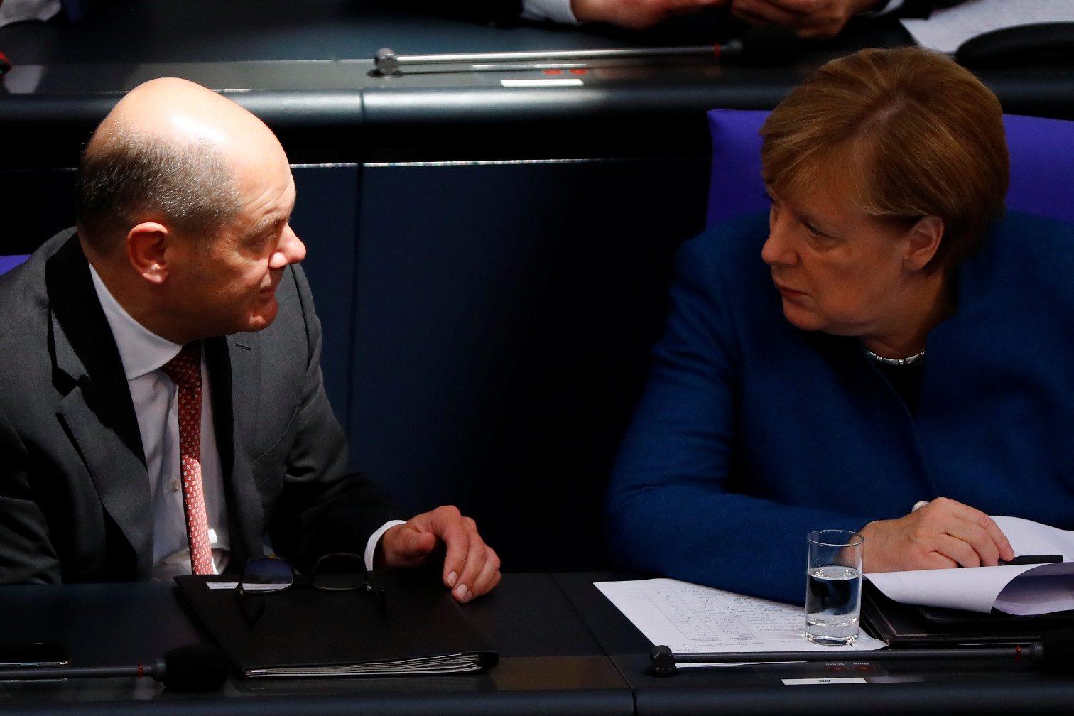 Olaf Scholz i Angela Merkel