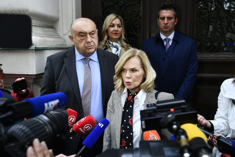 odvjetnici Čedo Prodanović i Jadranka Sloković daju izjavu za medije