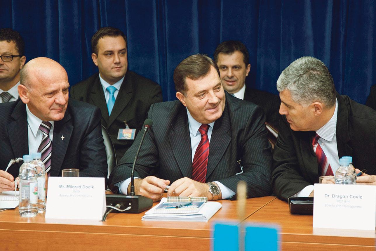 Milorad Dodik (lijevo) i Dragan Čović (desno)