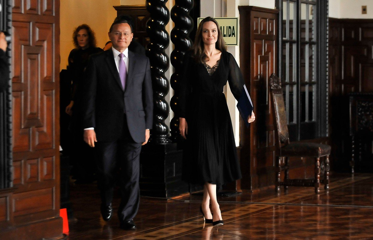 Photo © 2018 Diario Republica de Peru/The Grosby Group  Lima, Peru Oct 23, 2018  Angelina Jolie visits Peru to help the Venezuelan refugees and joins the Peruvian Foreign Minister, Nestor Popolizio, during a press conference al the Palacio de Gobierno in Lima., Image: 392355741, License: Rights-managed, Restrictions: , Model Release: no, Credit line: Profimedia, Grosby Group