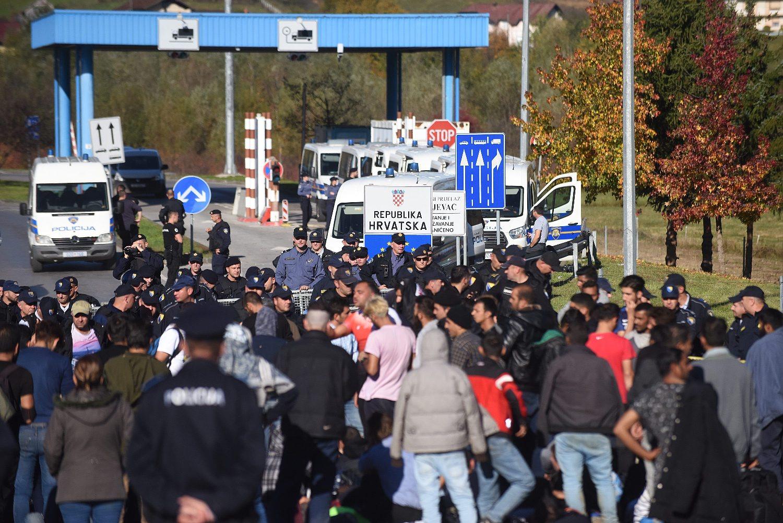 Ilustracija / Migranti na graničnom prijelazu Maljevac