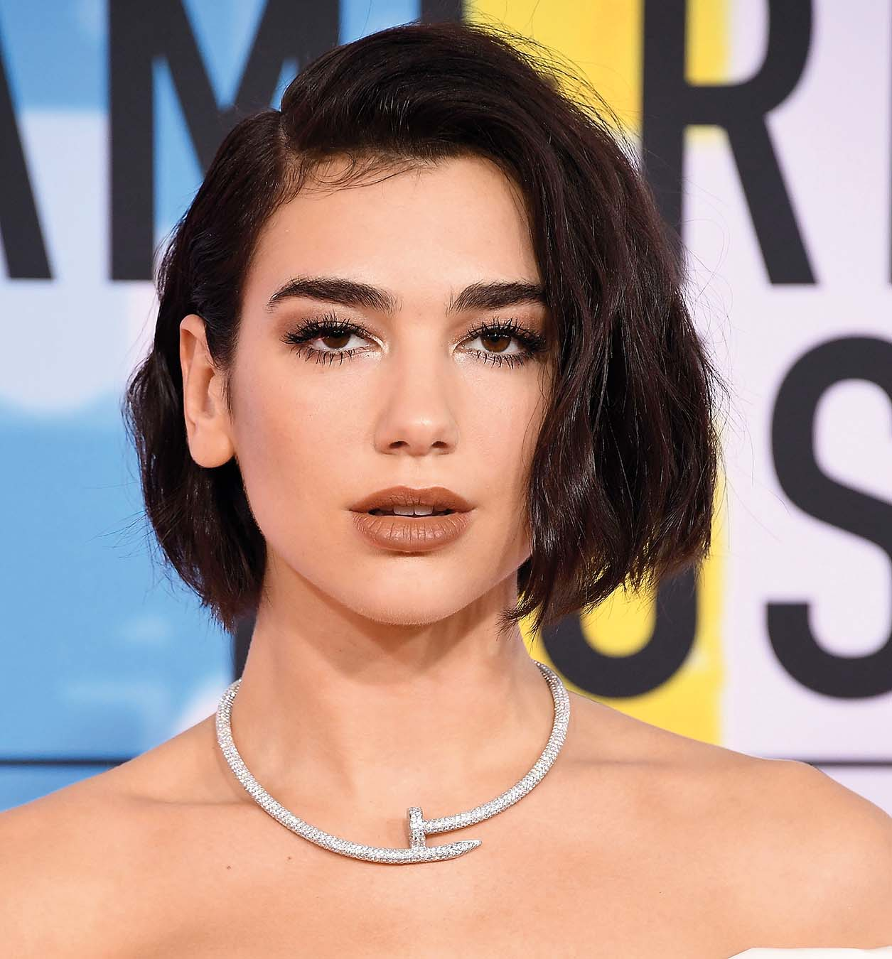 LOS ANGELES, CA - OCTOBER 09:  Dua Lipa arrives at the 2018 American Music Awards at Microsoft Theater on October 9, 2018 in Los Angeles, California.  (Photo by Steve Granitz/WireImage)