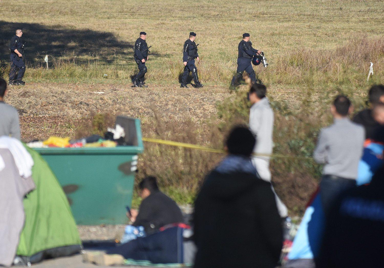 Na fotografiji: policija na području graničnog prijelaza Maljevac