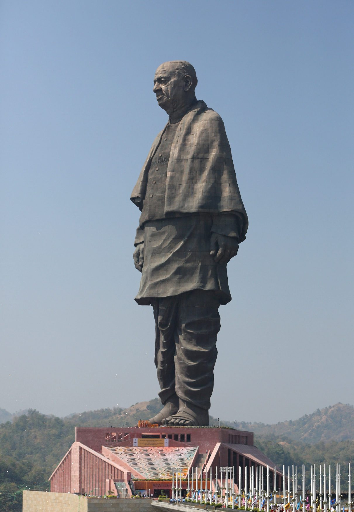 2018-10-31T072309Z_398508734_RC130EF40210_RTRMADP_3_INDIA-STATUE