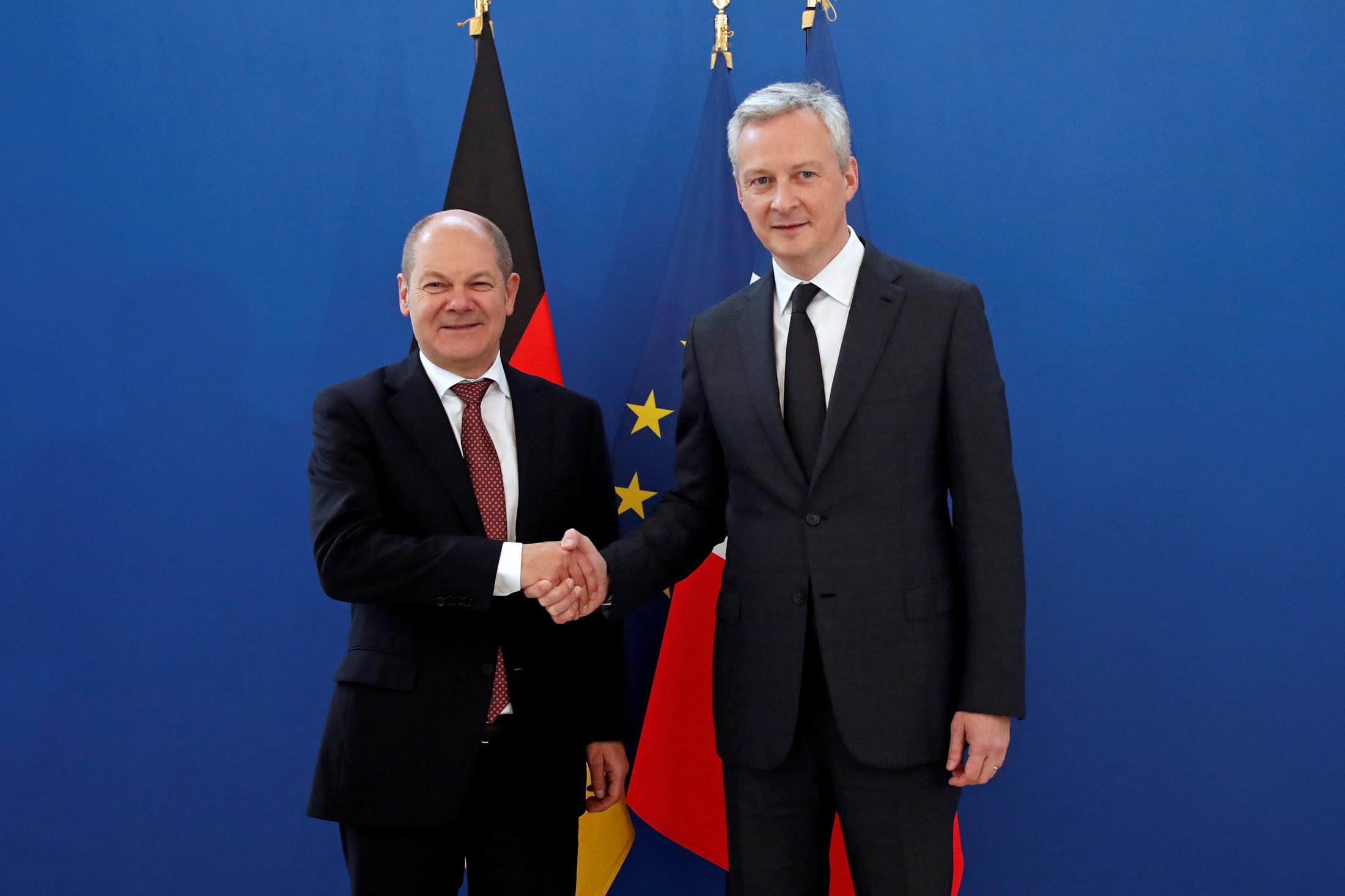 Njemački ministar financija Olaf Scholz u društvu svog francuskog kolege Brune Le Maira