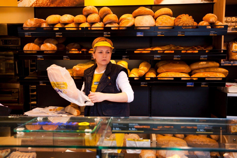 Osijek, 010311. U vecini osjeckih pekara kruh danas nije poskupio. Prema rijecima prodavacice u pekari