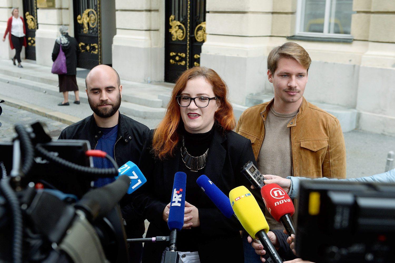 Luka Mlinarić, Antonija Jonjić i Tvrtko Krpina iz građanske inicijative 'Narod odlučuje'