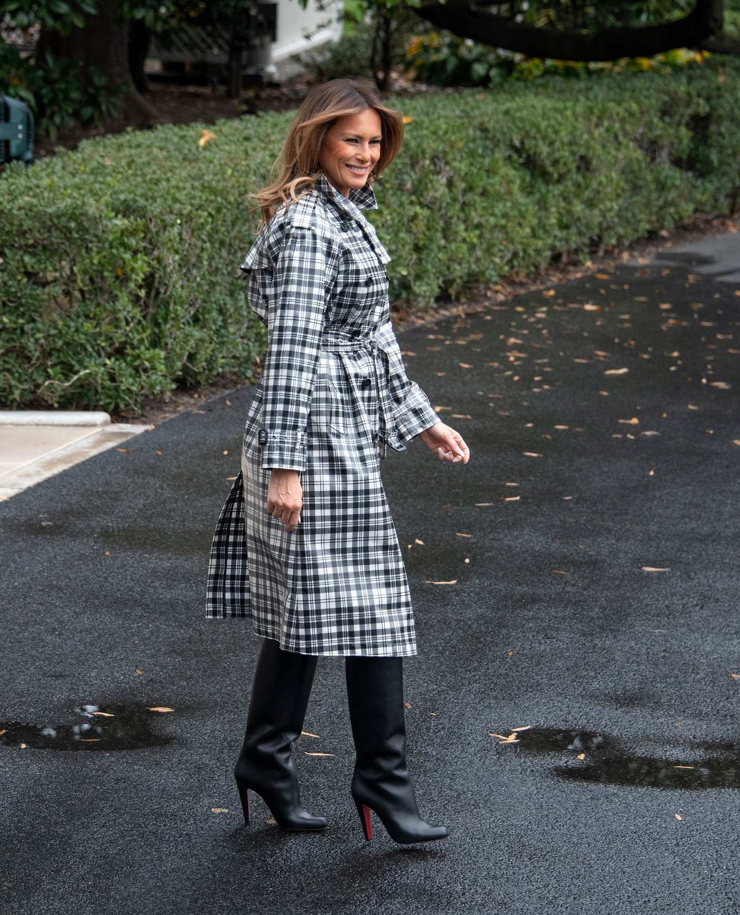 First lady Melania Trump emerges from the residence to join United States President Donald J. Trump as they depart the South Lawn of the White House in Washington, DC on Friday, November 9, 2018 en route to Paris, France where they will participate in the ceremonies commemorating the 100th anniversary of the end of World War I., Image: 395037585, License: Rights-managed, Restrictions: , Model Release: no, Credit line: Profimedia, ADMedia