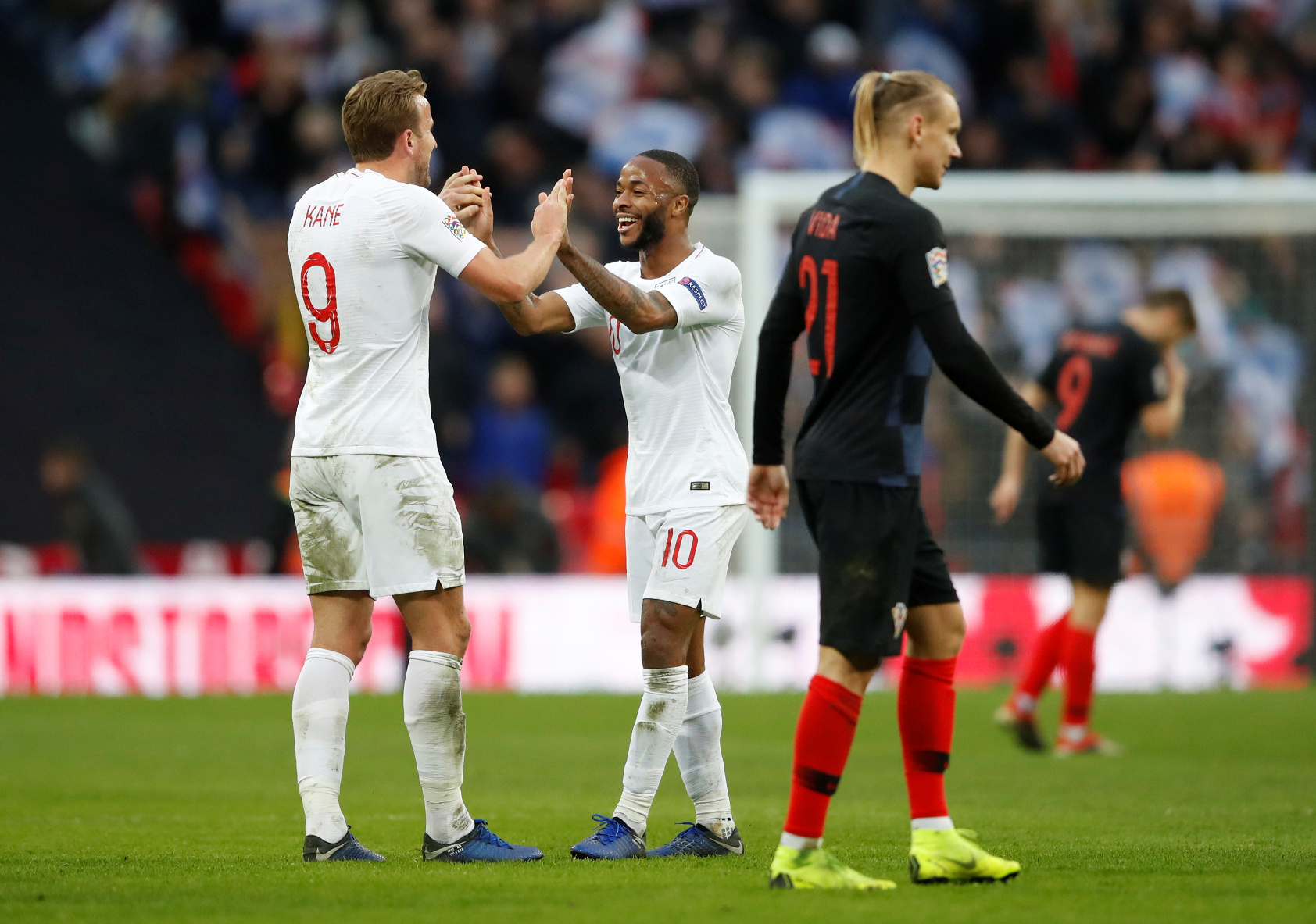 Soccer Football - UEFA Nations League - League A - Group 4 - England v Croatia - Wembley Stadium, London, Britain - November 18, 2018  England's Harry Kane celebrates after the match with Raheem Sterling         Action Images via Reuters/Carl Recine - RC11BD5EF230