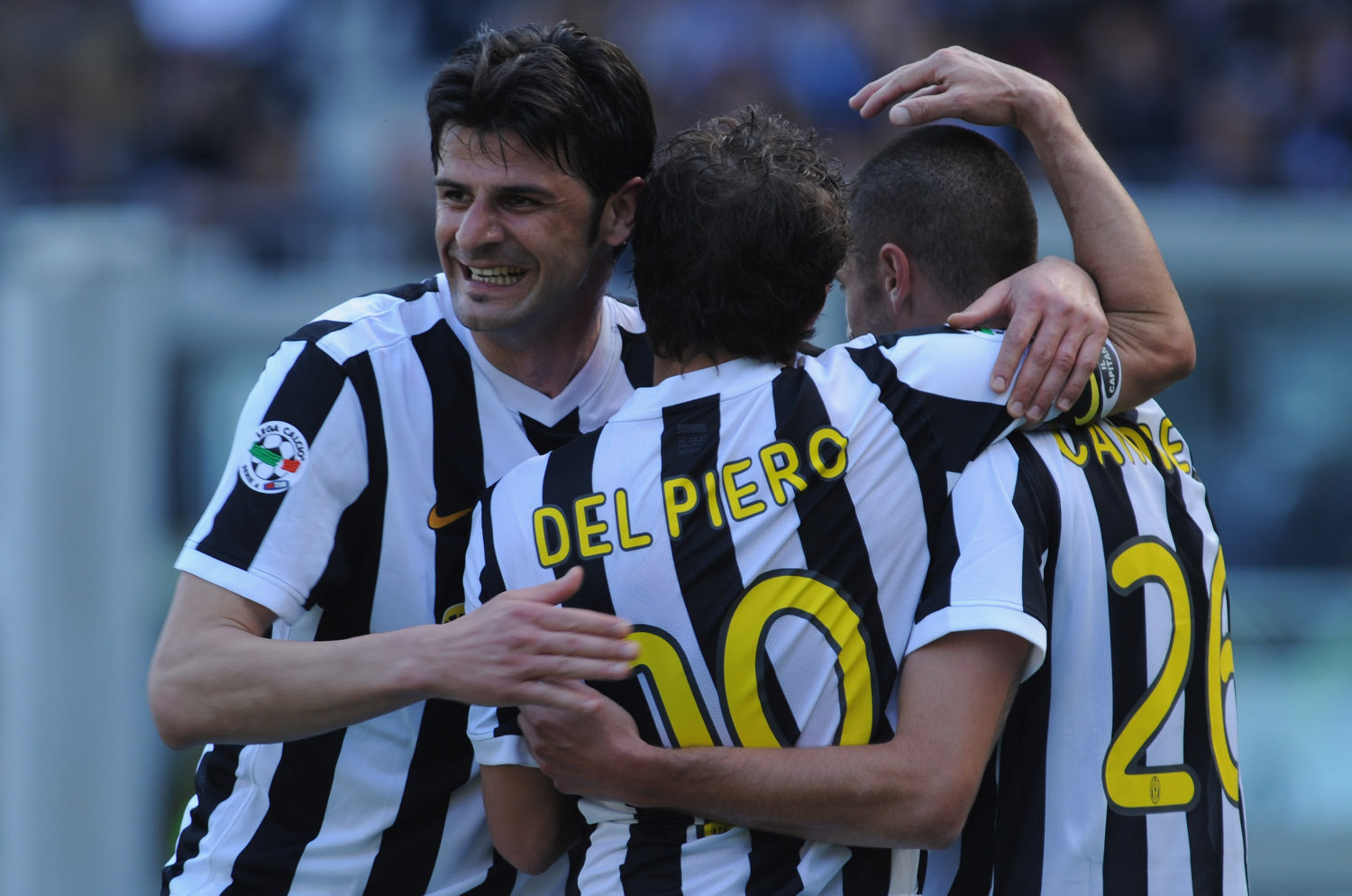 TURIN, ITALY - APRIL 25:  Vincenzo Iaquinta (L) of Juventus FC celebrates his goal with  Alessandro Del Piero (C) and Antonio Candreva during the Serie A match between Juventus FC and AS Bari at Stadio Olimpico on April 25, 2010 in Turin, Italy.  (Photo by Valerio Pennicino/Getty Images)