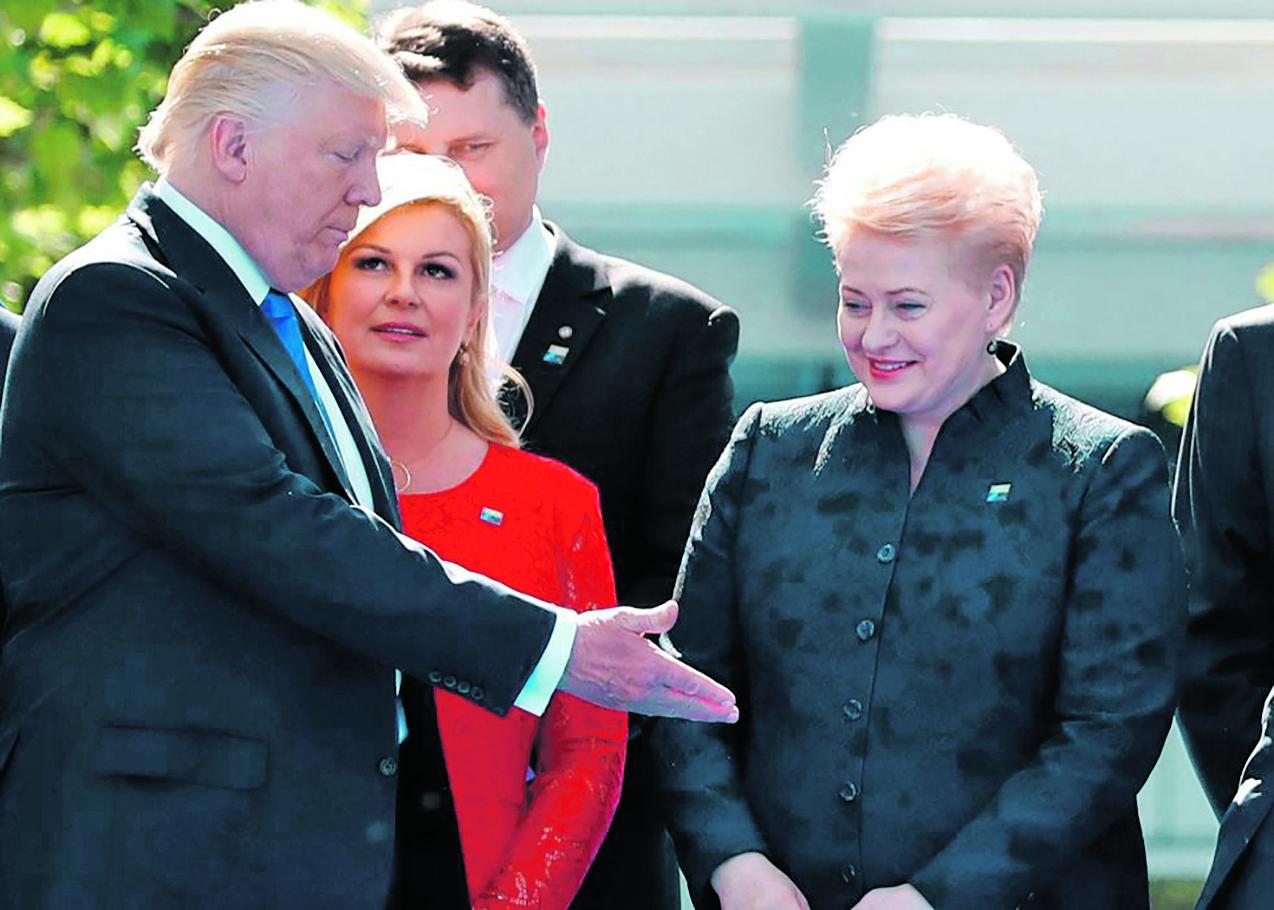 216462-277165-Trump_Kolinda_NATO_foto_Christian_Hartmann__Reuters