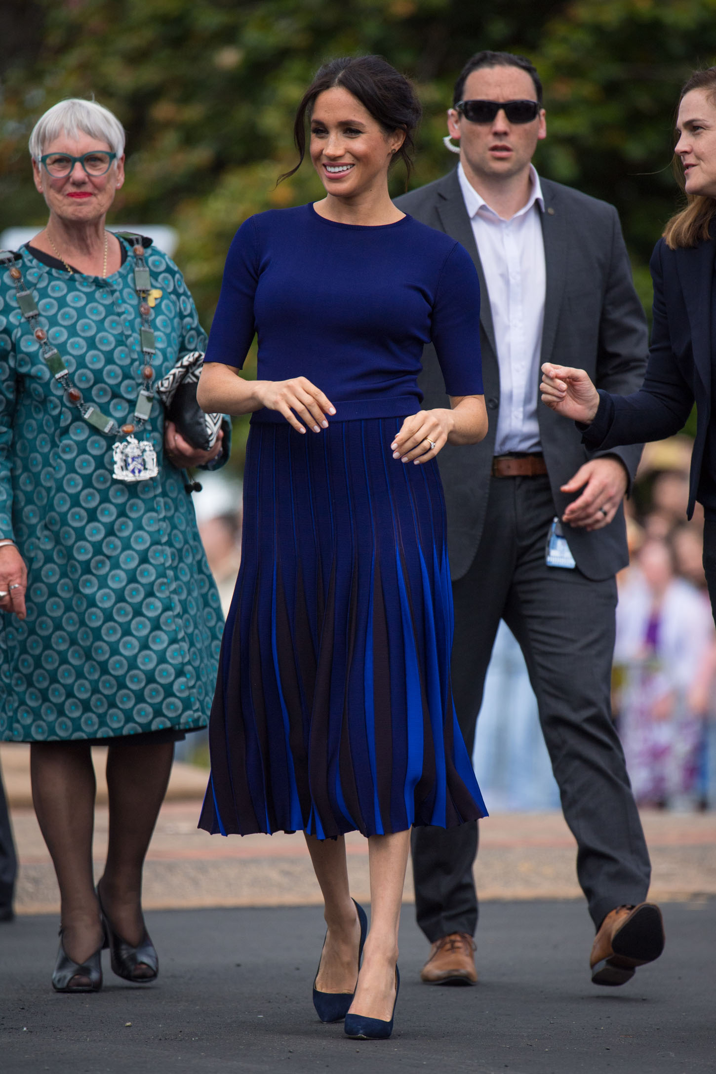 ROTORUA, NEW ZEALAND - OCTOBER 31:  Megan, Duchess of Sussex during a walkabout on day four of the royal couple's tour of New Zealand on October 31, 2018 in Rotorua, New Zealand. The Duke and Duchess of Sussex are on the final day of their official 16-day Autumn tour visiting cities in Australia, Fiji, Tonga and New Zealand. (Photo by Dominic Lipinski-Pool/Getty Images)
