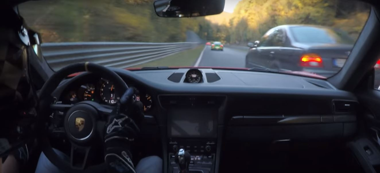 2019-porsche-911-gt3-rs-nurburgring-near-crash-is-a-failed-bmw-overtake_4