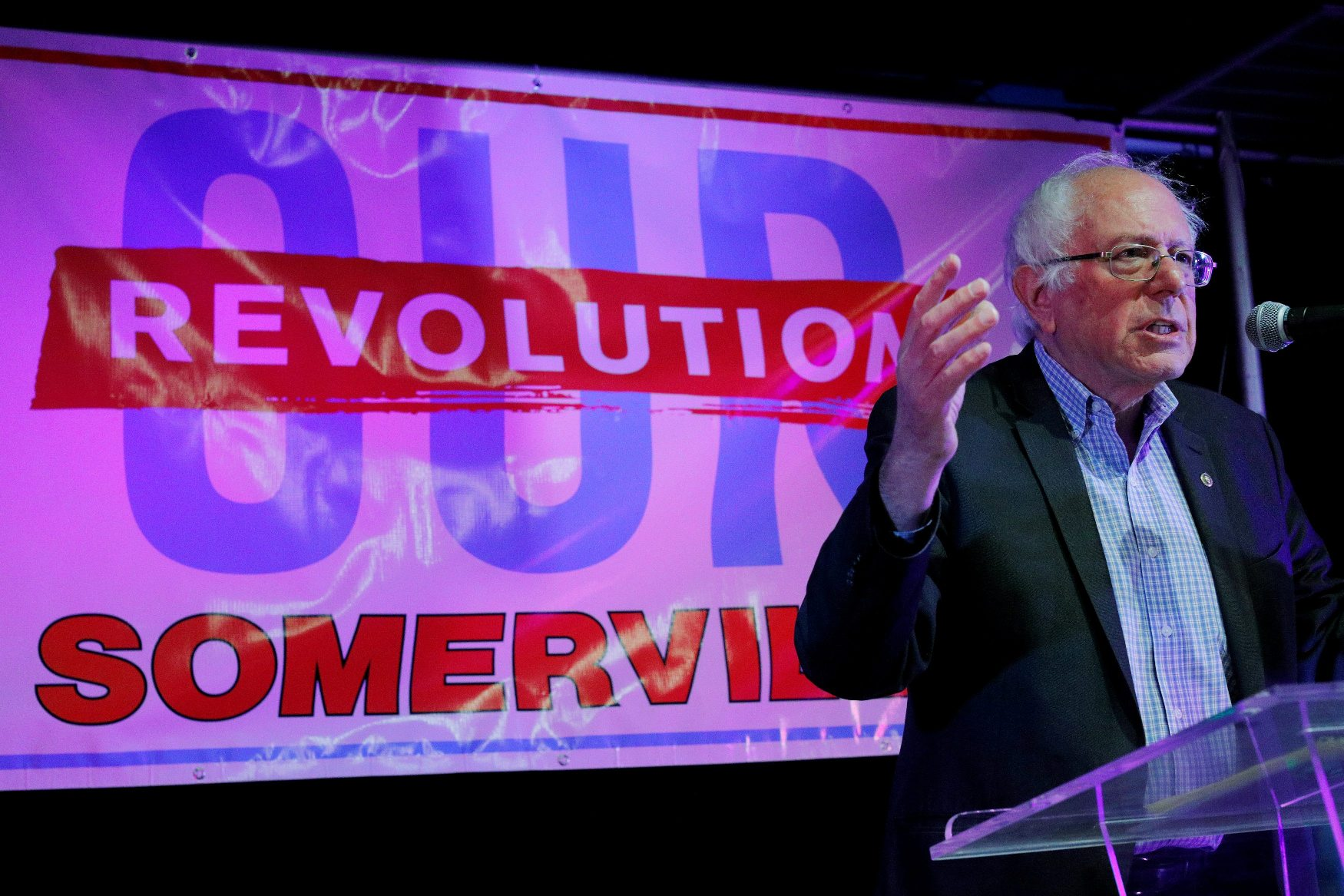 FILE PHOTO: U.S. Senator Bernie Sanders (I-VT) campaigns for local political candidates at an 'Our Revolution Somerville' rally in Somerville, Massachusetts, U.S., October 23, 2017.    REUTERS/Brian Snyder/File Photo