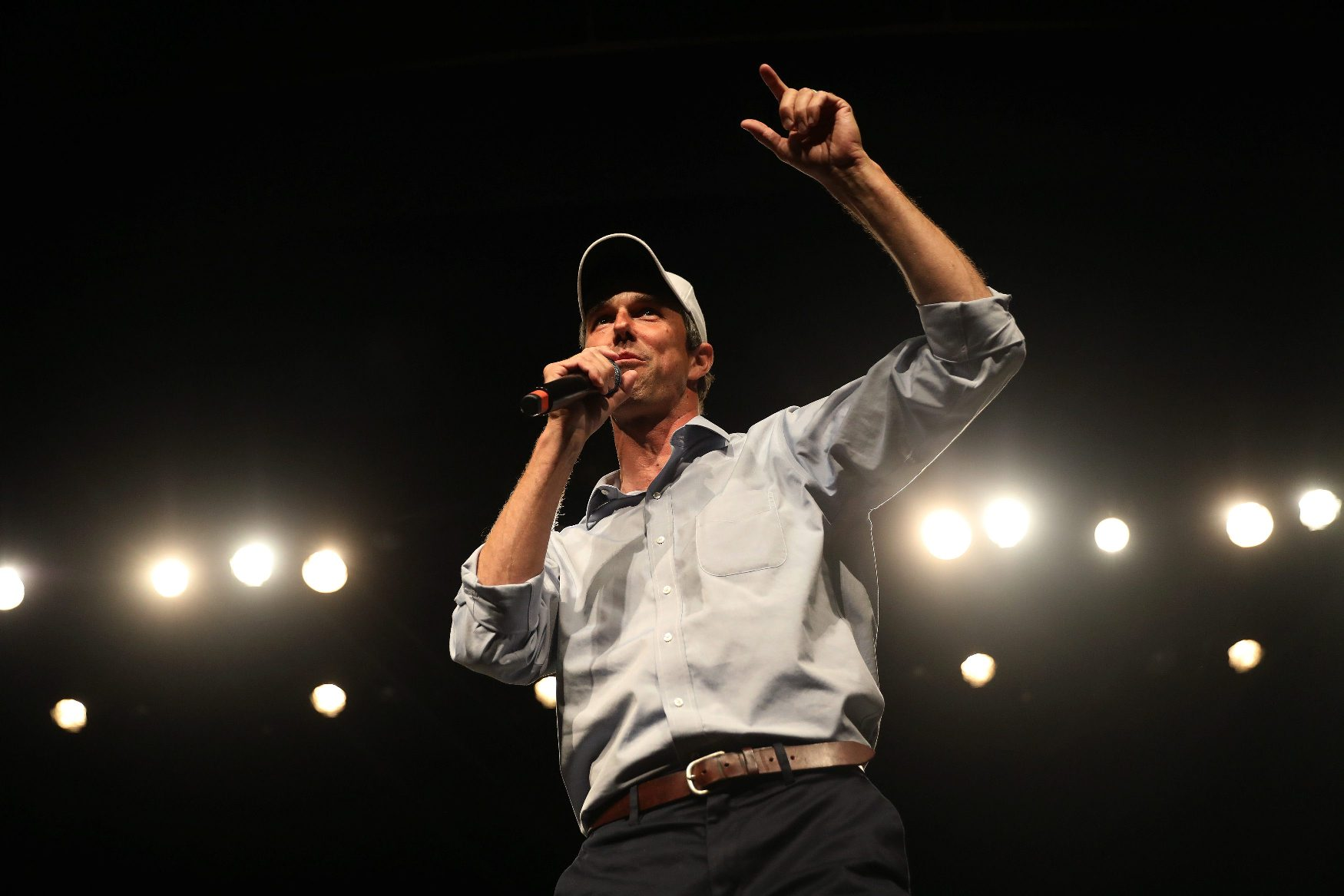 U.S. Rep. Beto O'Rourke (D-TX), candidate for U.S. Senate speaks to supporters at a campaign rally on the last day before the U.S. 2018 midterm elections at the University of Texas El Paso in El Paso, Texas, U.S., November 5, 2018. REUTERS/Mike Segar
