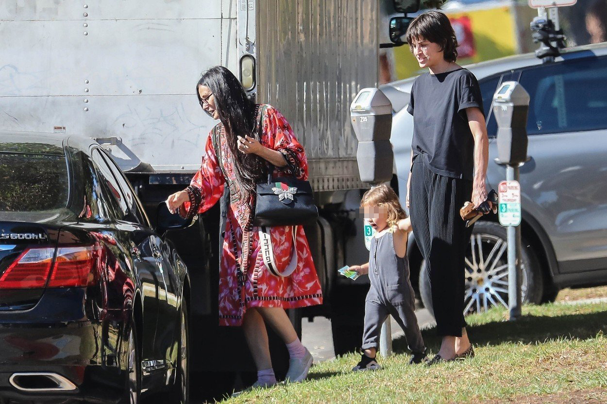Demi Moore i Maša Mandžuka s Mandžukinom kćerkom