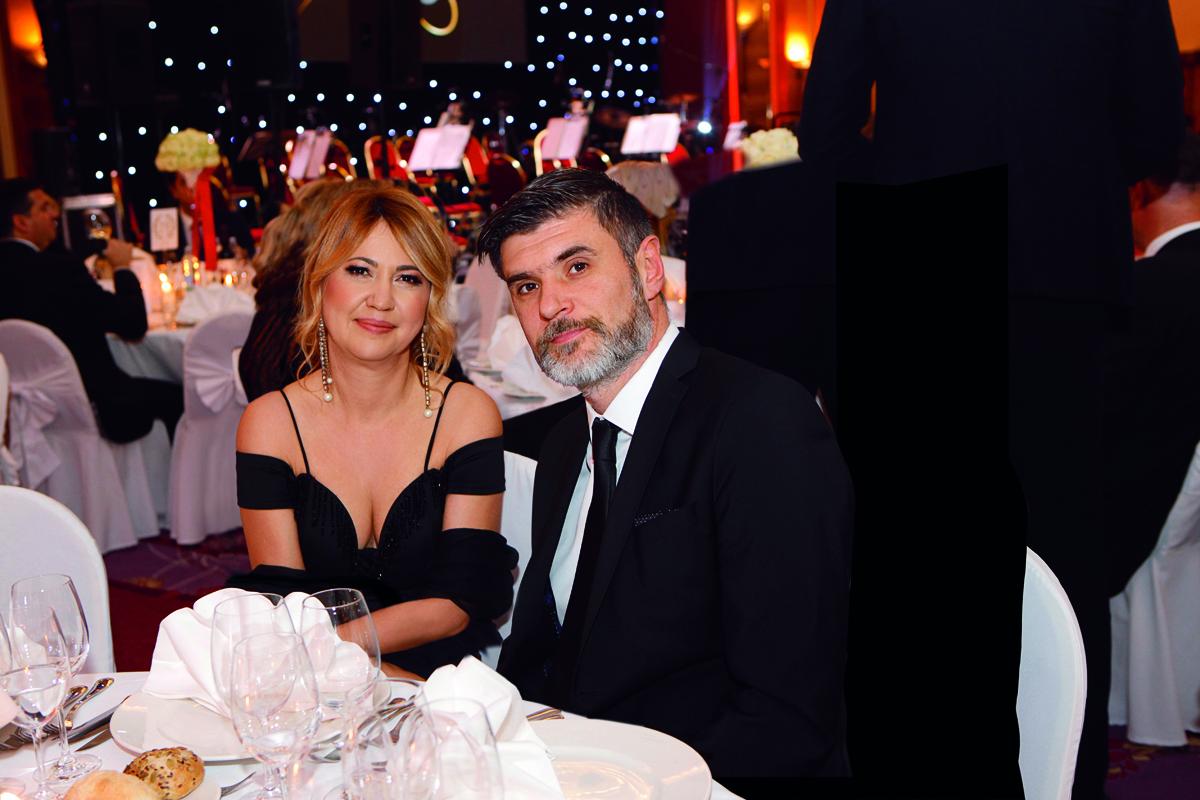 Milanka i Nemanja na Balu Crvenog križa u hotelu Westin.