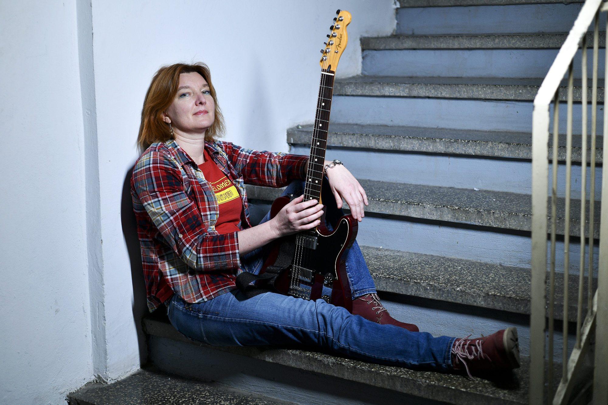 Zvonka Obajdin, pjevačica benda Svemir