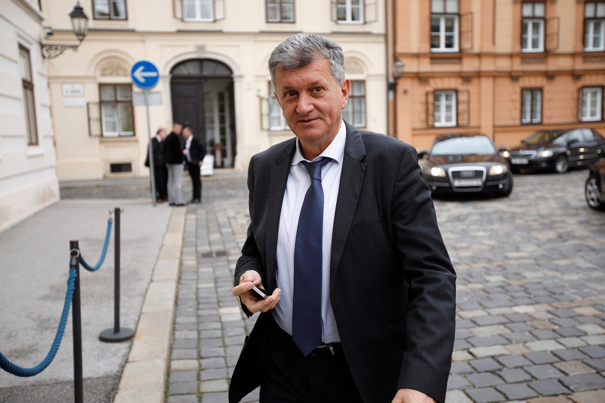 Na fotografiji: ministar Milan Kujundžić
