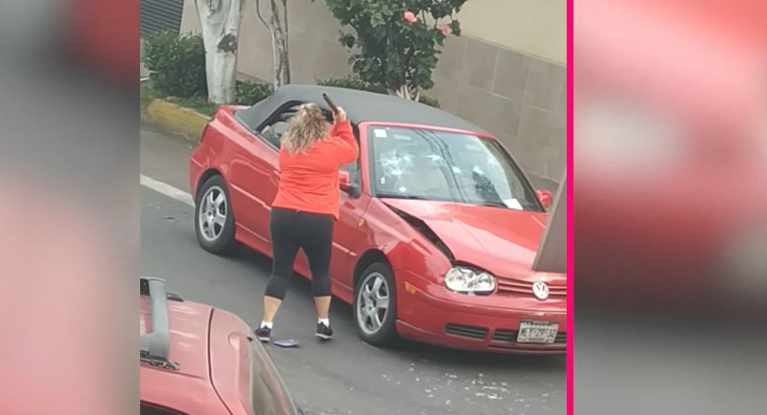 bc61ac37-road-rage-woman-attacks-golf-mexico-city