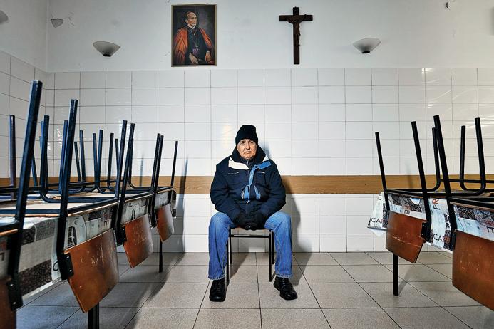 Zagreb, 201218. Pucka kuhinja u Domu svetog Antuna na Svetom Duhu. Na fotografiji: korisnik kuhinje Marijan Trbusic. Foto: Boris Kovacev / CROPIX
