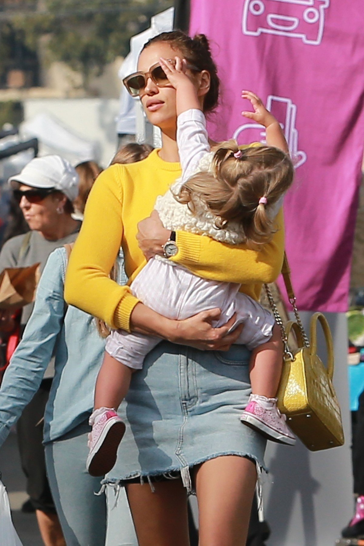 Studio City, CA  - *EXCLUSIVE*  - Model, Irina Shayk's daughter, Lea De Seine Shayk Cooper, is not having it at the Farmer's market. The 1-year-old throws what appears to be a tantrum while mom carries her away into their ride.  Pictured: Irina Shayk    *UK Clients - Pictures Containing Children Please Pixelate Face Prior To Publication*, Image: 404081128, License: Rights-managed, Restrictions: , Model Release: no, Credit line: Profimedia, AKM-GSI