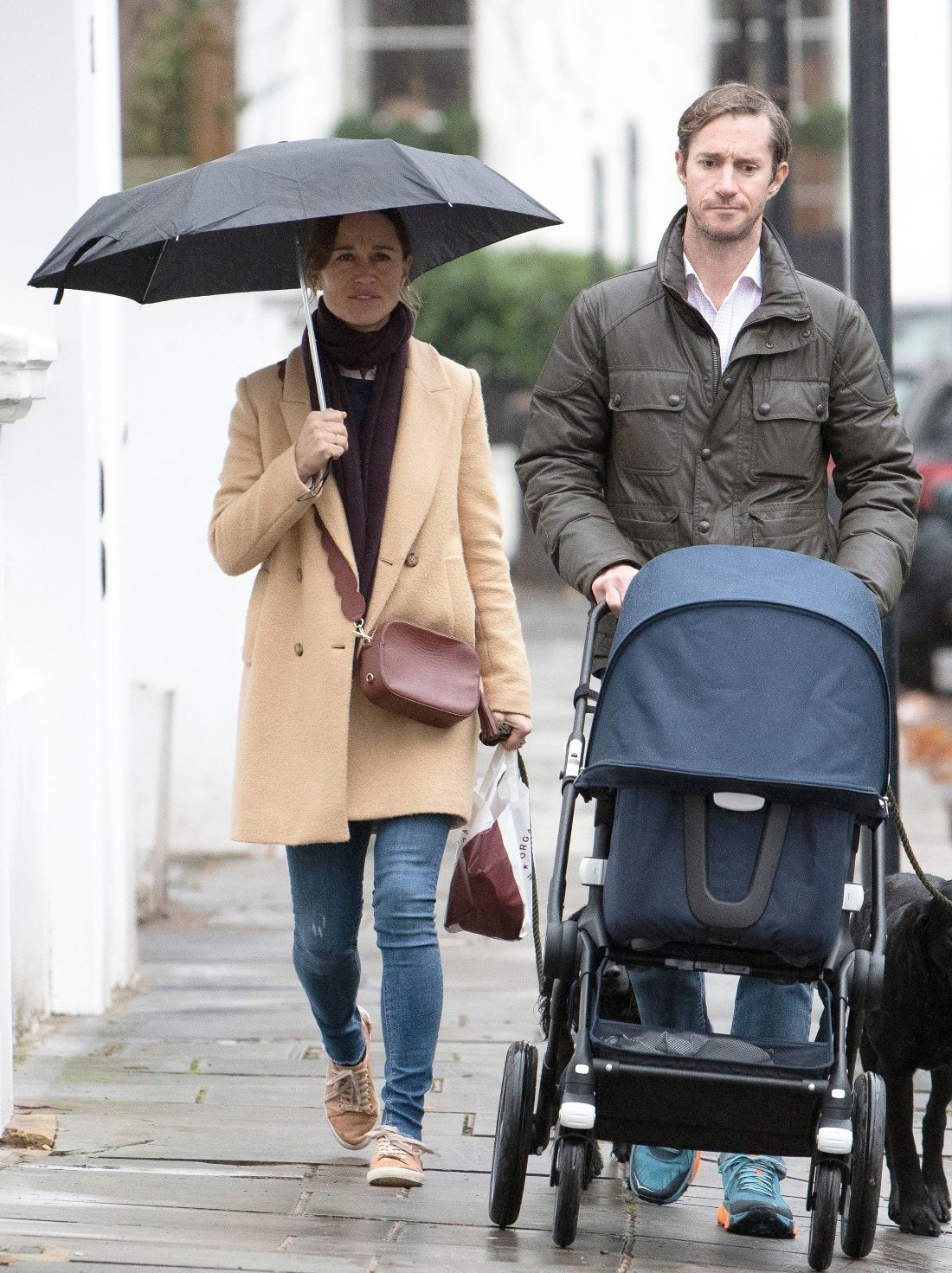 BGUK_1421243 - LONDON, UNITED KINGDOM  - *EXCLUSIVE*  - WEB MUST CALL FOR PRICING - Kate Middleton's Sister Pippa Middleton pictured getting caught up in the rainy weather as she's pictured out and about with husband James Matthews and their newborn baby son Arthur Matthews in London.  Pictured: pippa middleton and james matthews    *UK Clients - Pictures Containing Children Please Pixelate Face Prior To Publication*, Image: 399655900, License: Rights-managed, Restrictions: , Model Release: no, Credit line: Profimedia, Xposurephotos