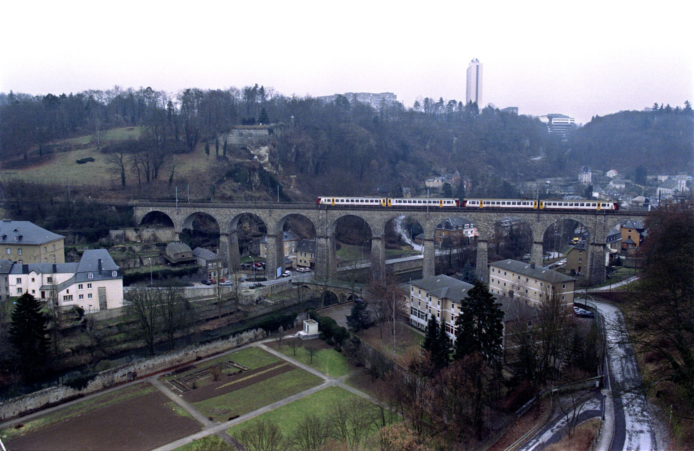 Ilustracija, vlak u Luksemburgu