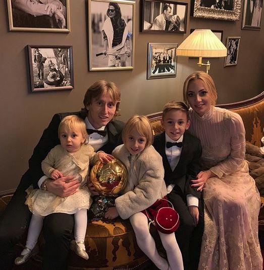 Vanja i Luka Modrić s djecom