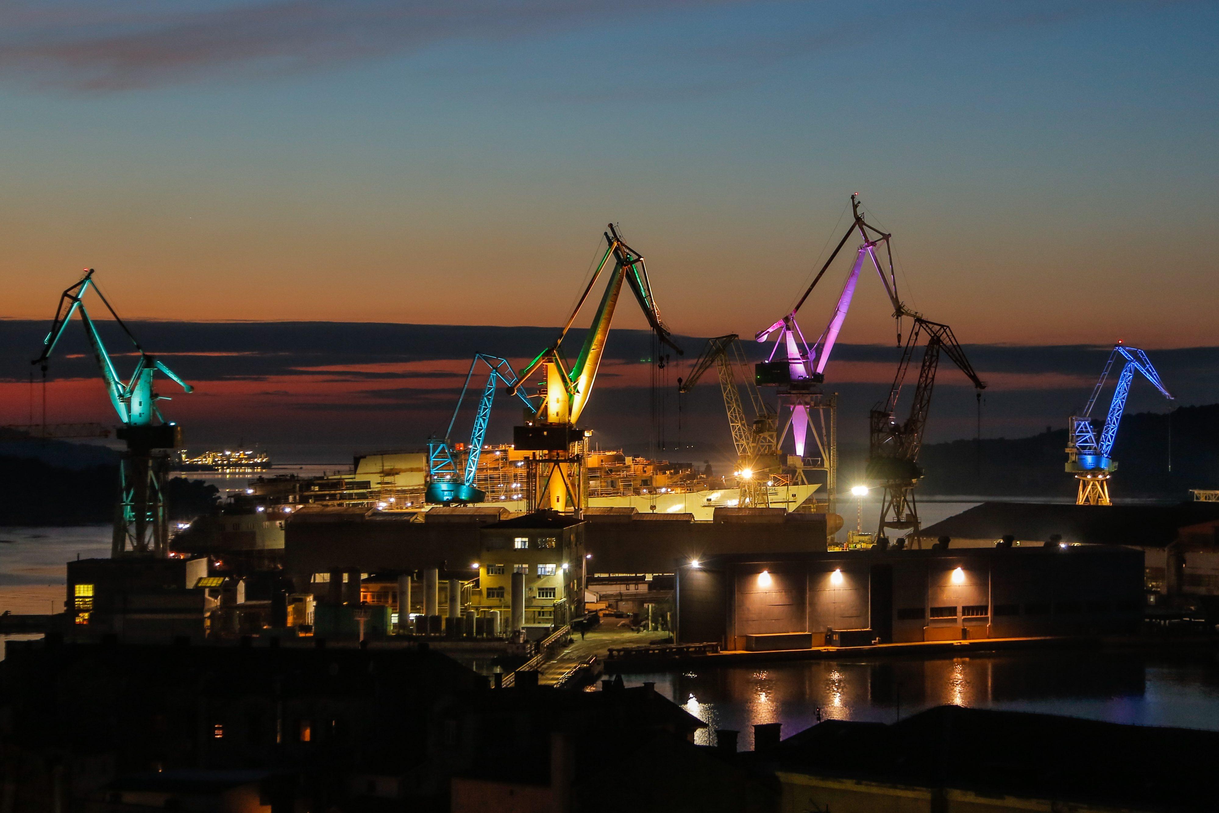 Brodogradilište Uljanik noću