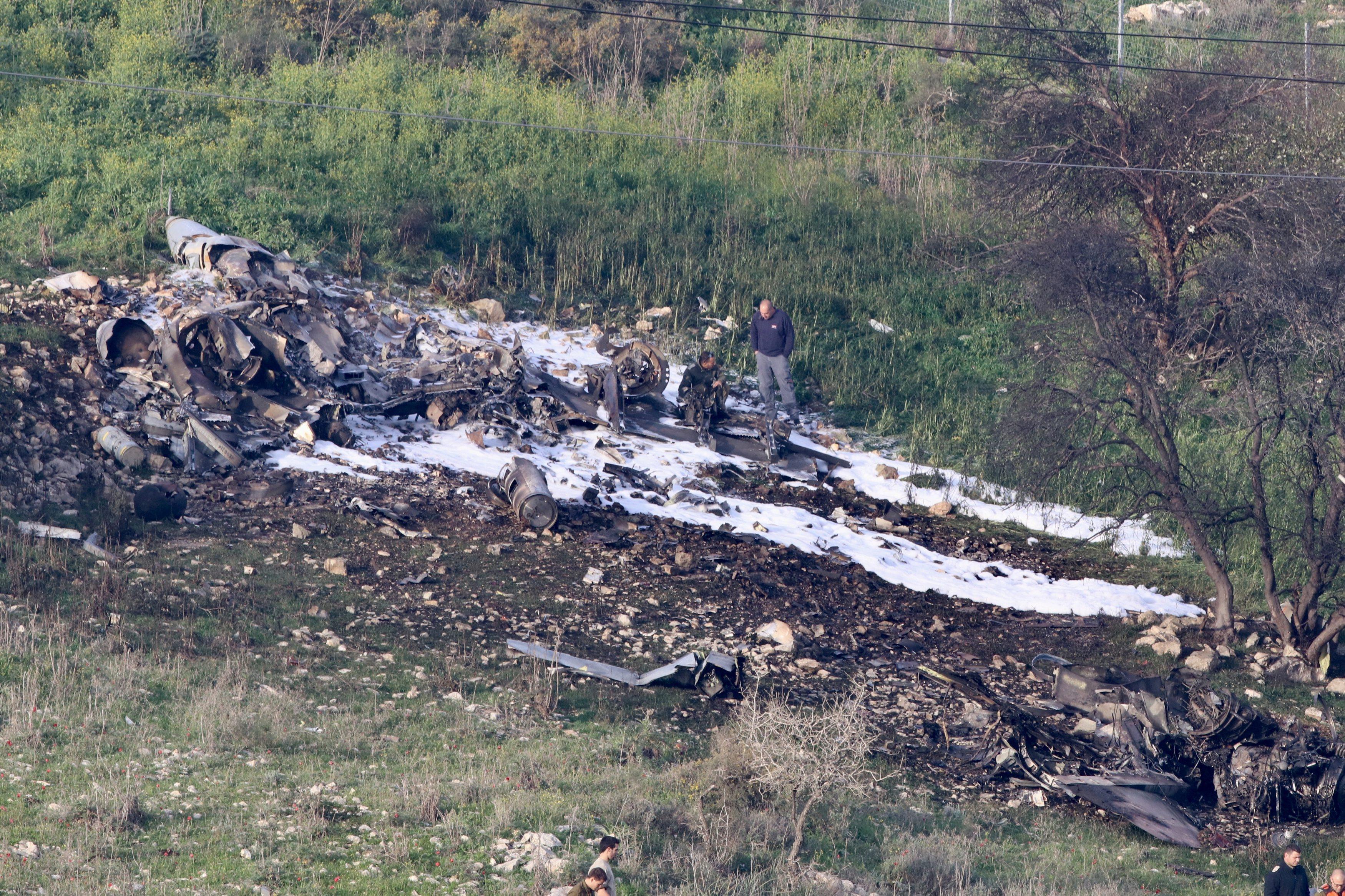 Ostaci srušenog F-16 borbenog zrakoplova IAF-a
