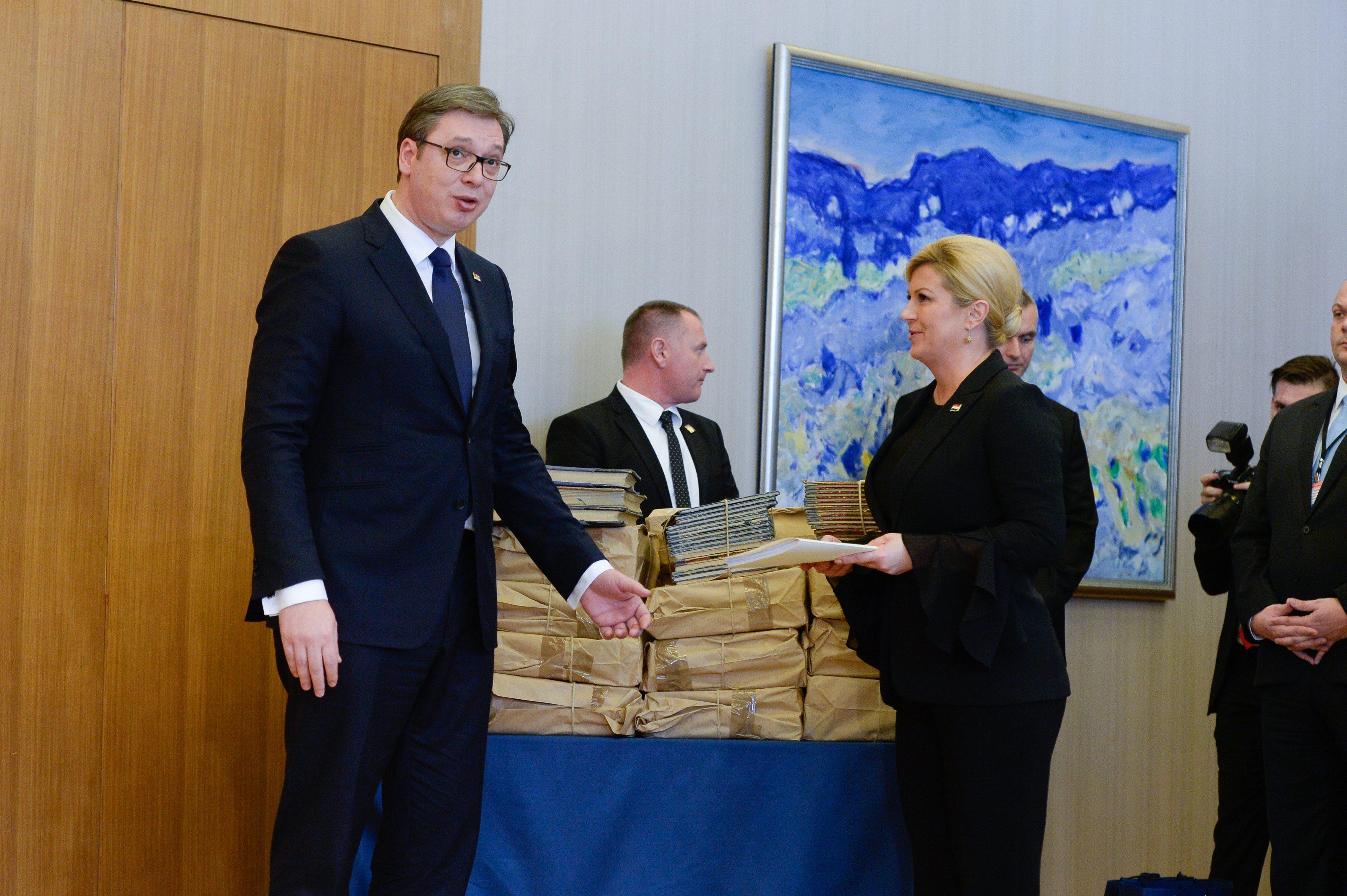 Aleksandar Vučić je Predsjednici predao spisak dokumenata