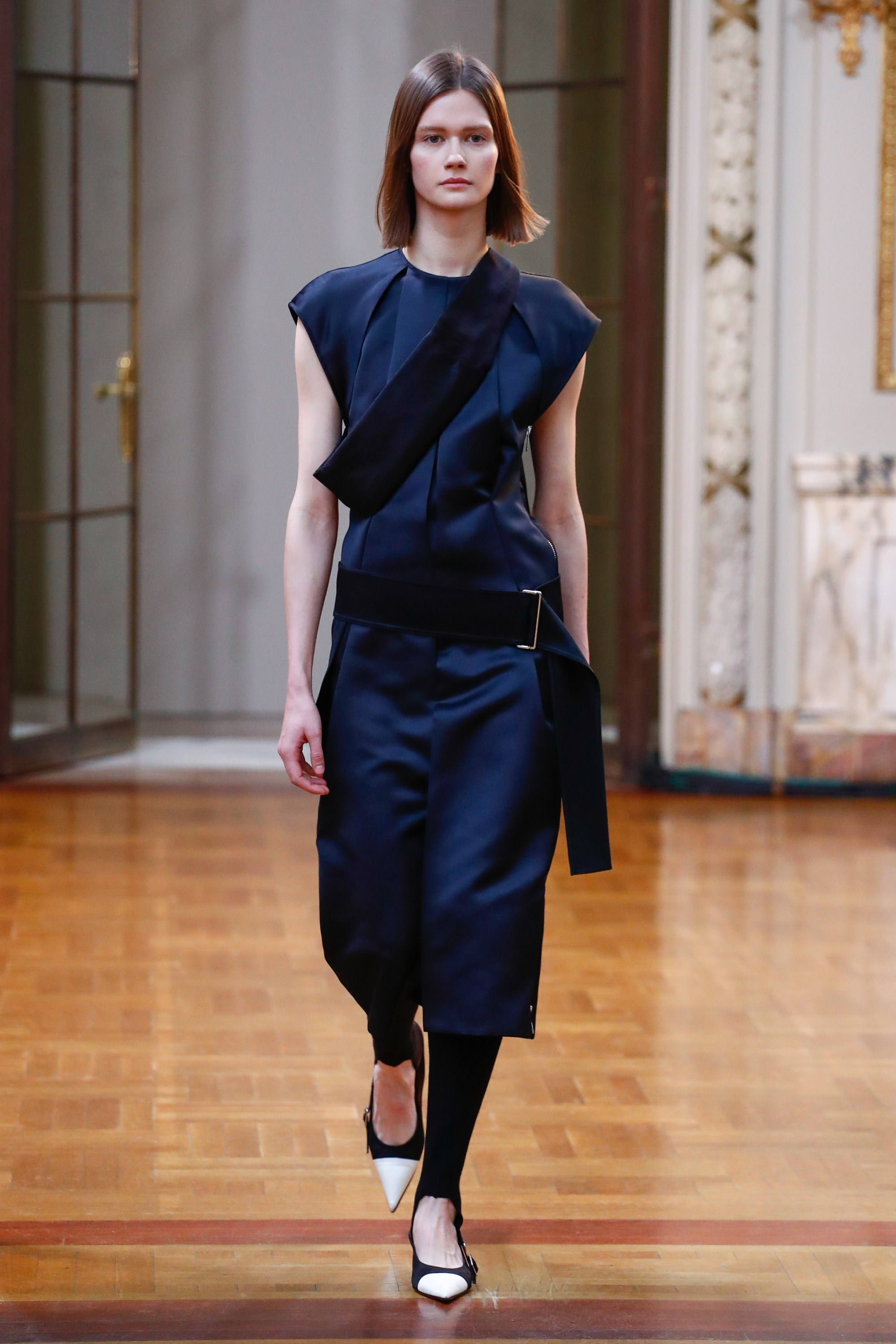 Victoria Beckham show, Runway, Fall Winter 2018, New York Fashion Week, USA <P> Pictured: Model  <B>Ref: SPL1657775  110218  </B><BR/> Picture by: NPictures / Splash News<BR/> </P><P> <B>Splash News and Pictures</B><BR/> Los Angeles:310-821-2666<BR/> New York:212-619-2666<BR/> London:870-934-2666<BR/> <span id=