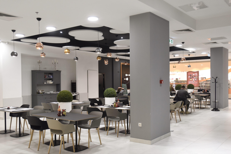 Zagreb, 140218. Iblerov trg. Obnovljene su -1 i prizemna etaza Importranne Gallerie. Na fotografiji: Centro restoran. Foto: Darko Tomas / CROPIX