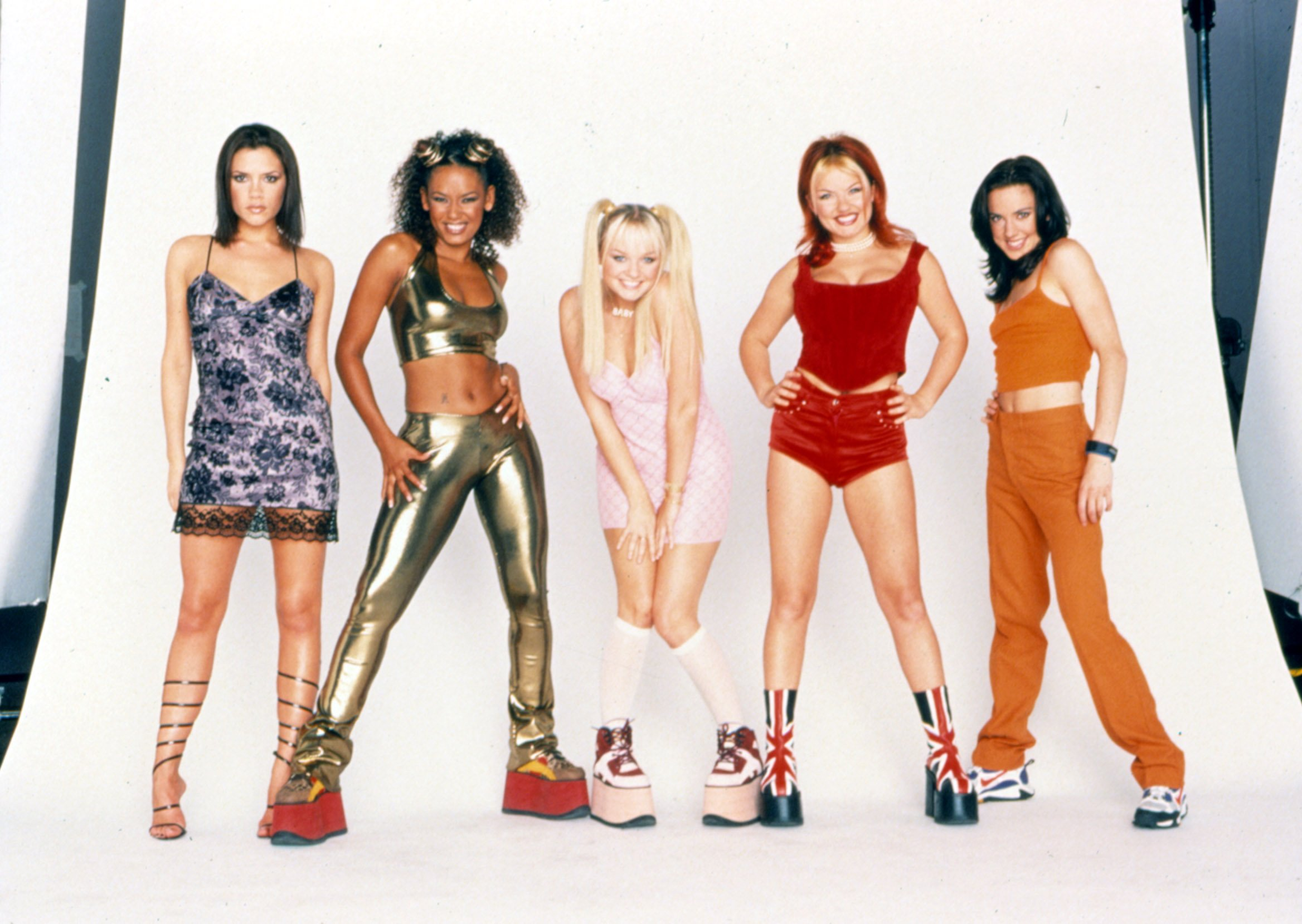 SPICE WORLD, Melanie Brown as Scary Spice, Emma Bunton as Baby Spice, Melanie Chisholm as Sporty Spice, Geri Halliwell as Ginger Spice, Victoria Beckham as Posh Spice, 1997, (c)Columbia Pictures/courtesy Everett Collection, Image: 98185039, License: Rights-managed, Restrictions: For usage credit please use; ©Columbia Pictures/Courtesy Everett Collection, Model Release: no, Credit line: Profimedia, Everett