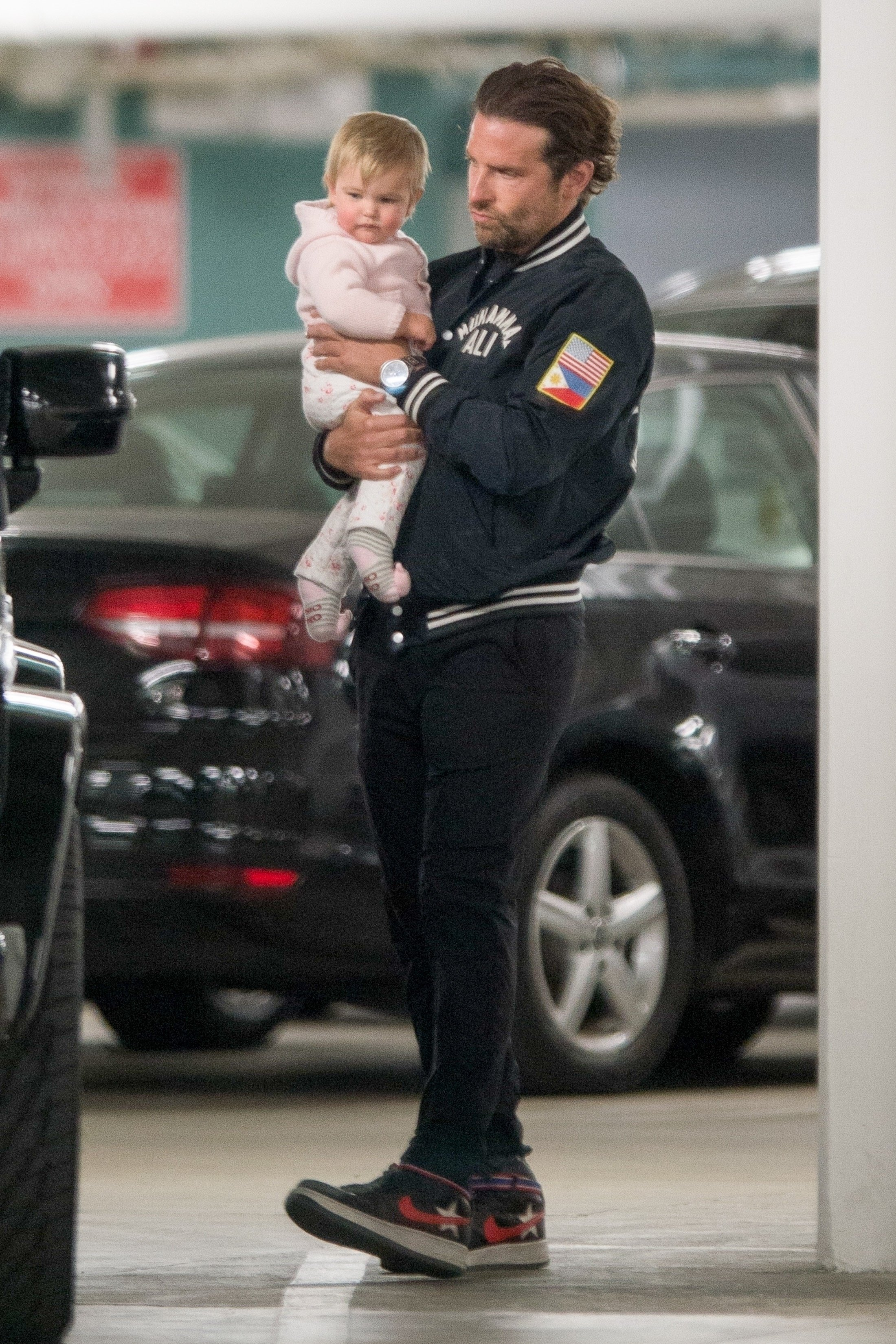 ** RIGHTS: WORLDWIDE EXCEPT IN ITALY ** Century City, CA  - *EXCLUSIVE*  - Bradley Cooper and Irina Shayk have a casual lunch with their daughter in Century City, CA. The family are seen heading to their car after grabbing some groceries.  Pictured: Lea De Seine Shayk Cooper, Bradley Cooper    *UK Clients - Pictures Containing Children Please Pixelate Face Prior To Publication*, Image: 364067994, License: Rights-managed, Restrictions: , Model Release: no, Credit line: Profimedia, AKM-GSI