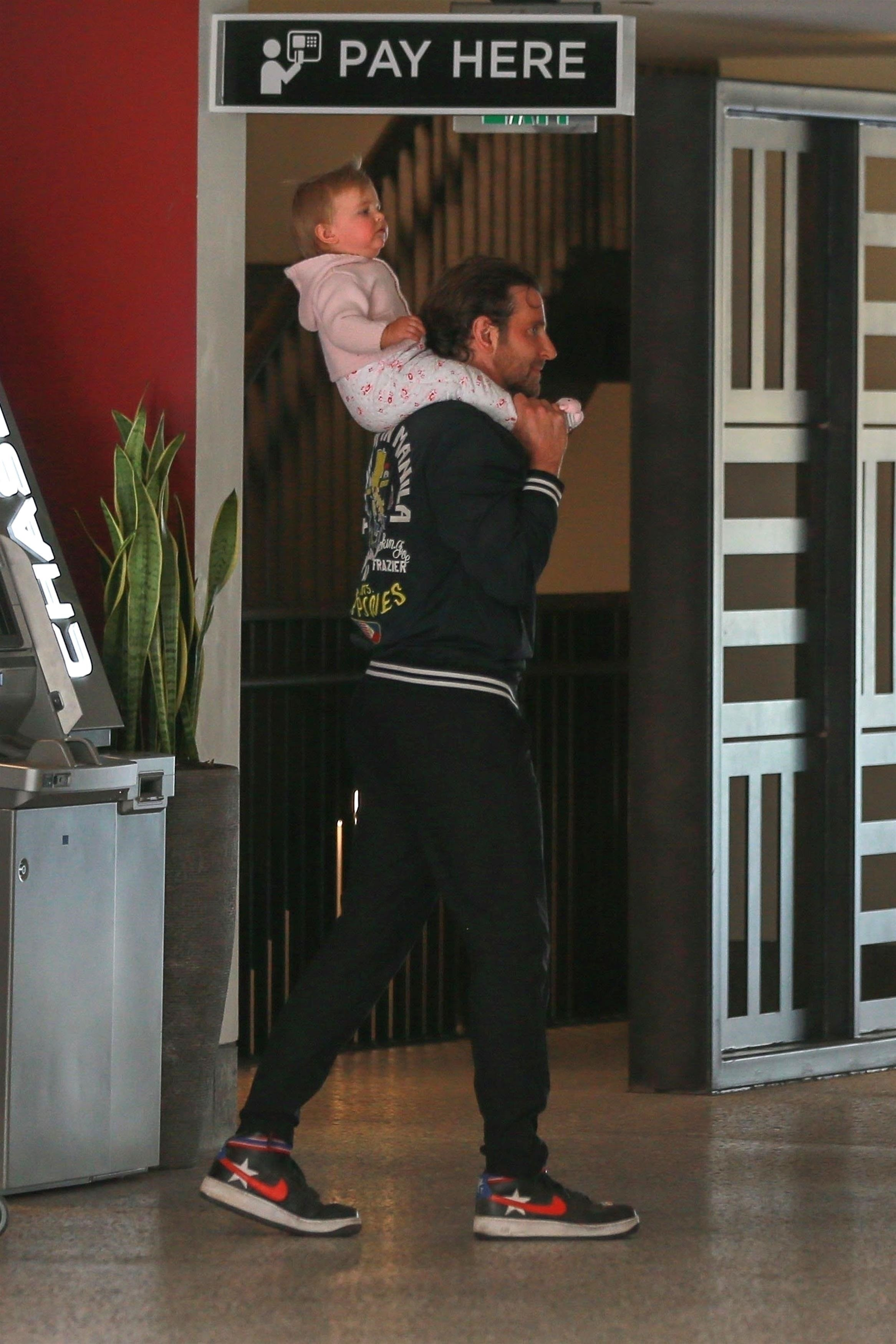 ** RIGHTS: WORLDWIDE EXCEPT IN ITALY ** Century City, CA  - *EXCLUSIVE*  - Bradley Cooper and Irina Shayk have a casual lunch with their daughter in Century City, CA. The family are seen heading to their car after grabbing some groceries.  Pictured: Lea De Seine Shayk Cooper, Bradley Cooper    *UK Clients - Pictures Containing Children Please Pixelate Face Prior To Publication*, Image: 364066531, License: Rights-managed, Restrictions: , Model Release: no, Credit line: Profimedia, AKM-GSI