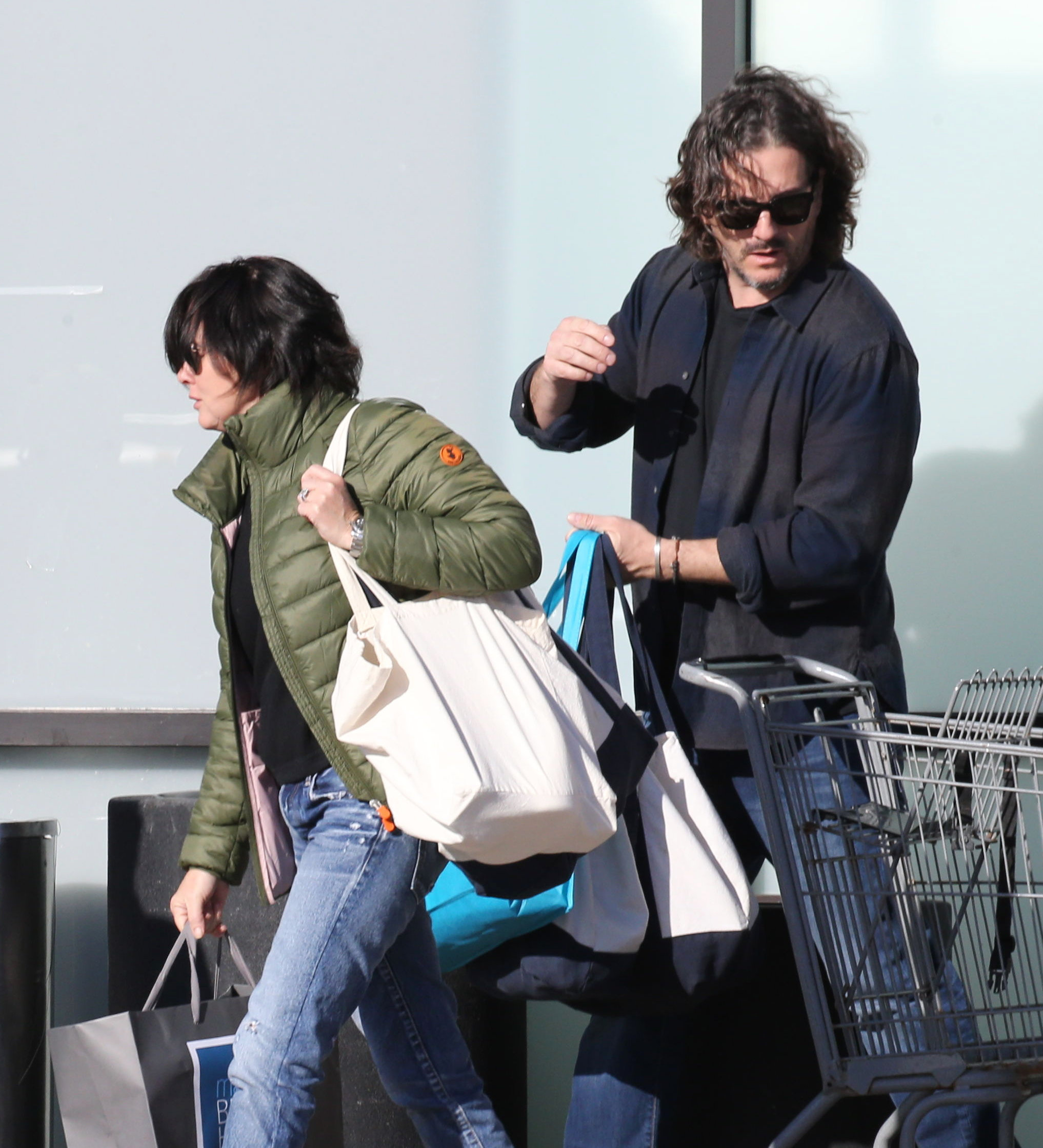 PREMIUM EXCLUSIVE Please contact X17 before any use of these exclusive photos - x17@x17agency.com   Sunday, February 25, 2018 - Actress Shannen Doherty looks extremely healthy, carrying several heavy bags as she goes grocery shopping with hubby Kurt Iswarienko in Malibu, CA., after her incredible recovery from breast cancer. Doherty, who returned to work filming scenes for the