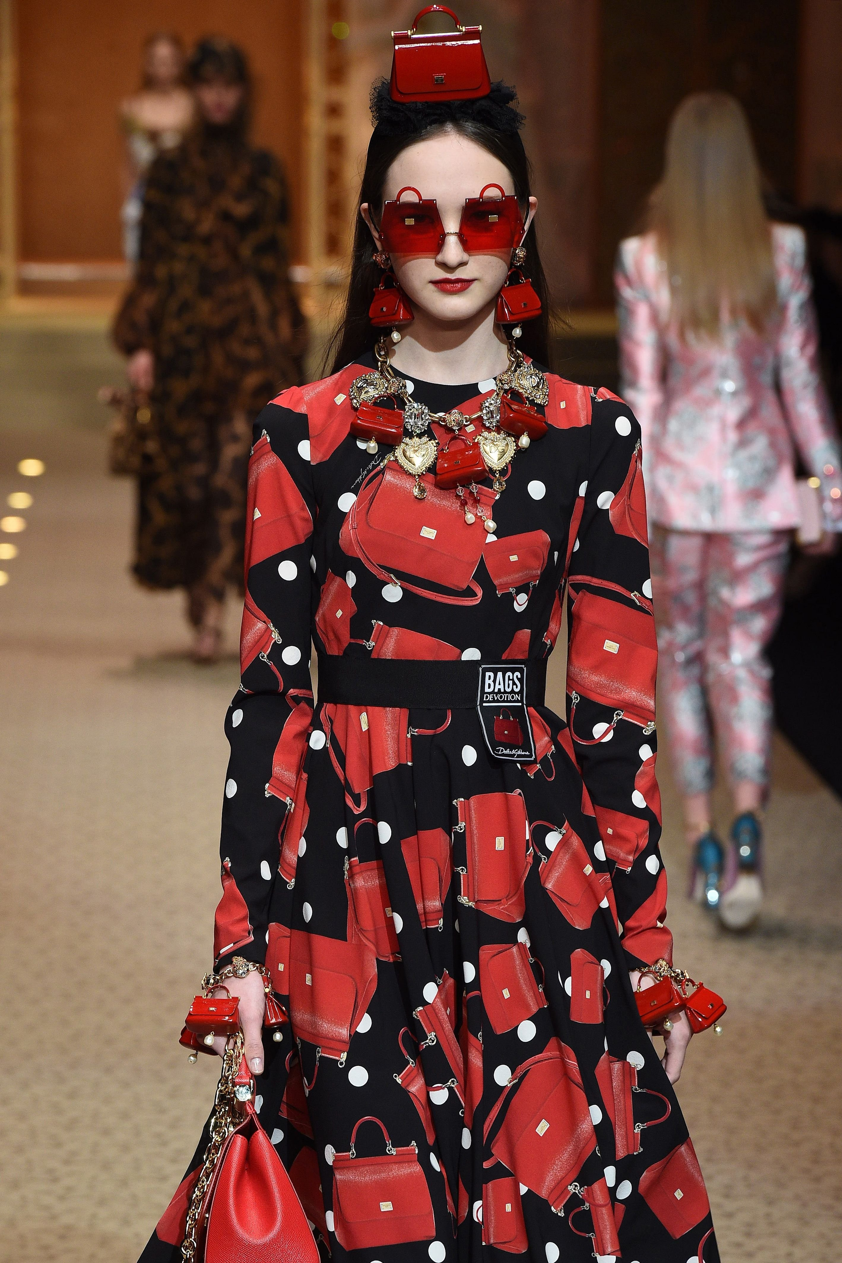 A Model wearing an outfit from the women's ready to wear collections, autumn winter 2018 2019, original creation, during the Fashion Week in Milan, Italy from the house of Dolce and Gabbana//Z-PIXEL-FORMULA_A_288/Credit:Pixelformula/SIPA/1802252327, Image: 364346560, License: Rights-managed, Restrictions: , Model Release: no, Credit line: Profimedia, TEMP Sipa Press